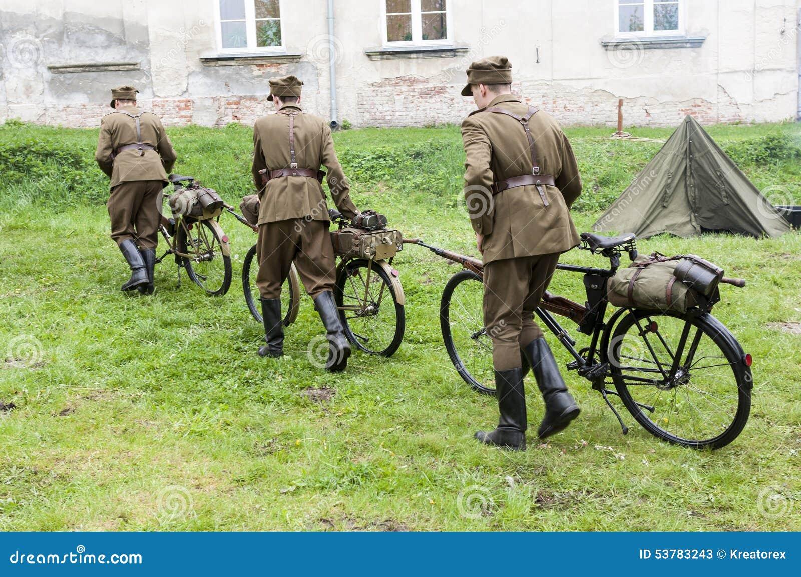 Bicykl gałąź wojskowy