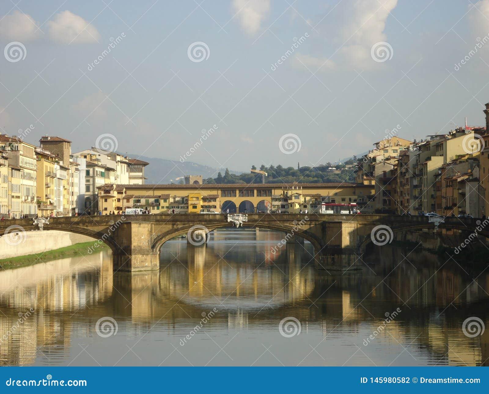 Bidges во Флоренс