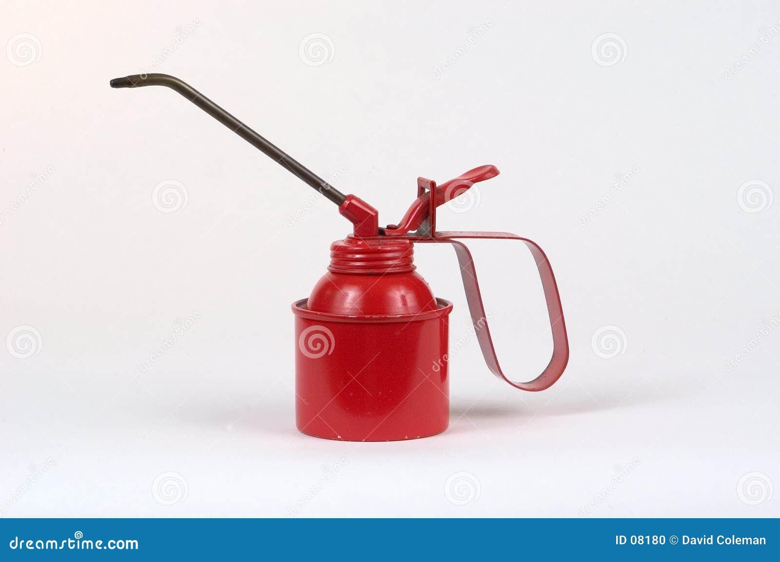 Bidon rouge de pétrole