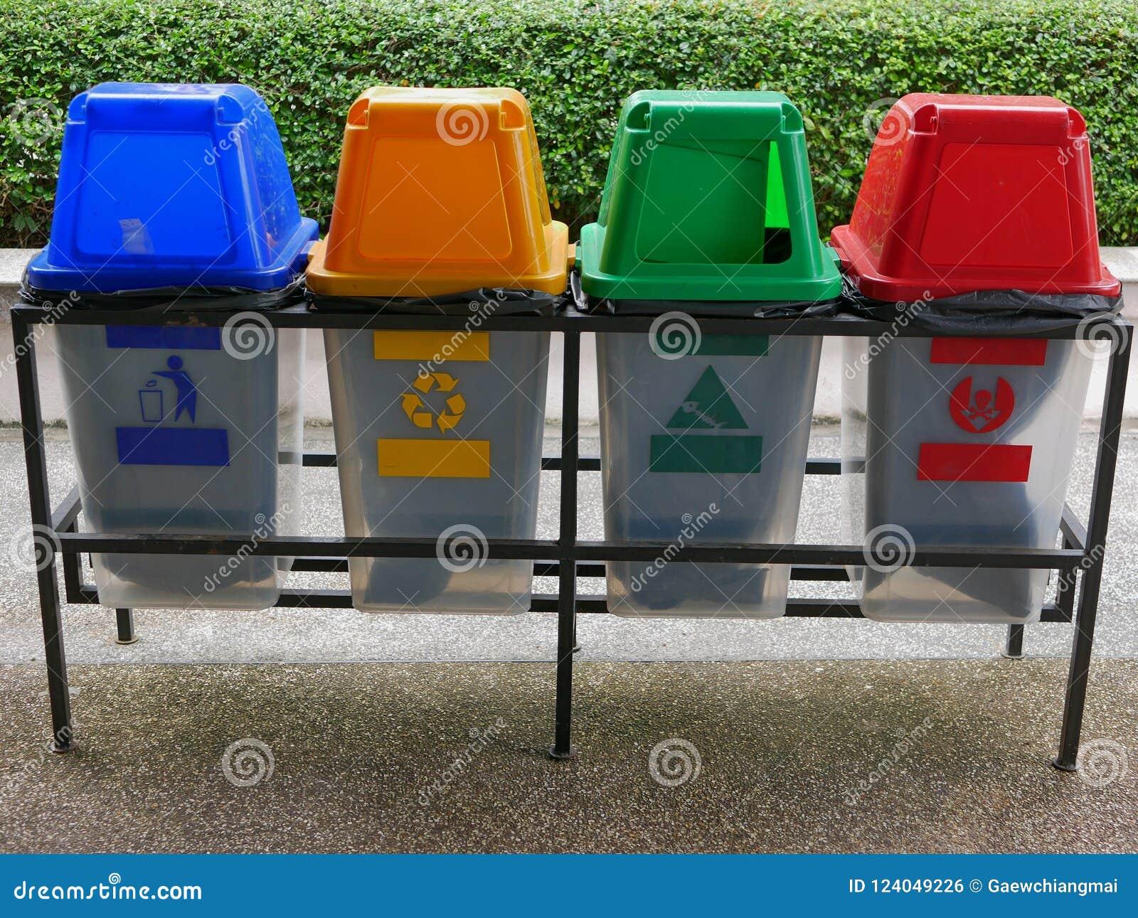 Bidoni della spazzatura di plastica variopinti/latte per la separazione residua
