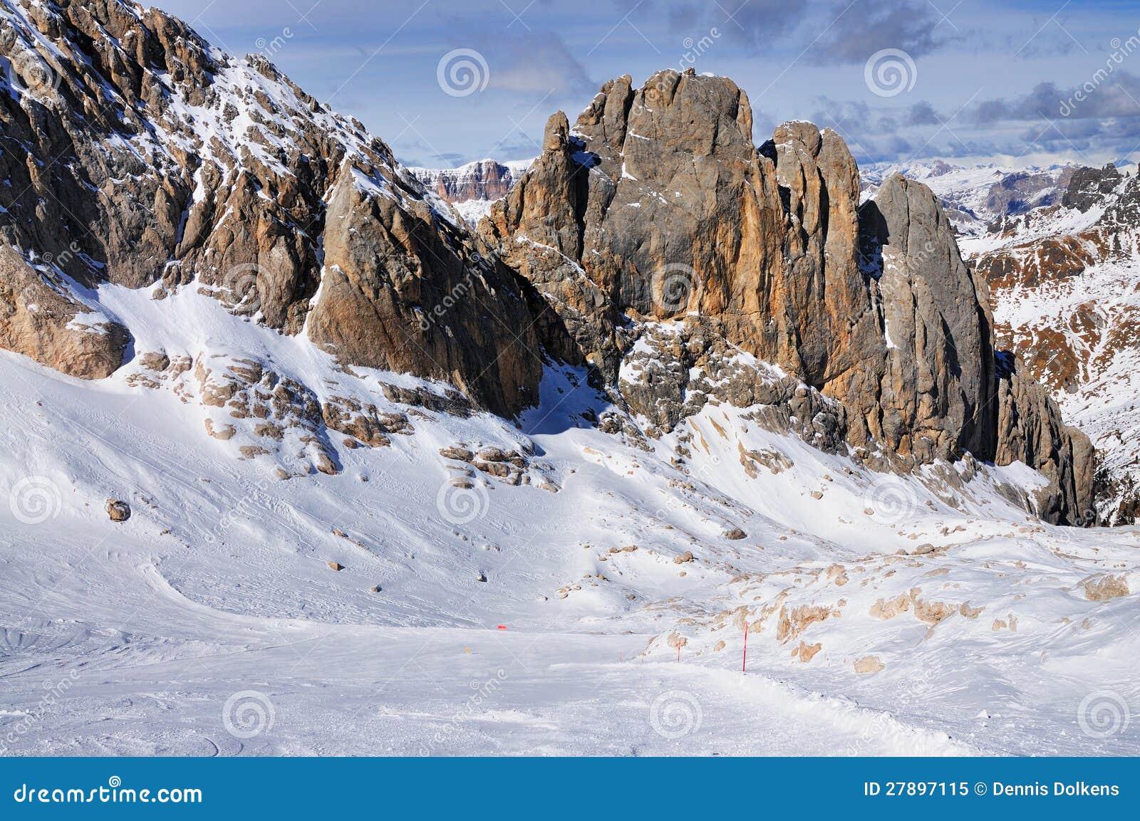 Bieg narciarski puszek w Włochy Marmolada