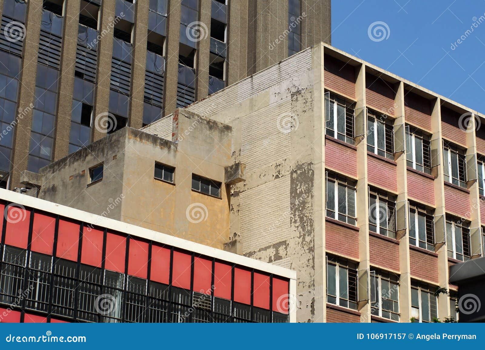 Bieg puszka budynki w środkowej dzielnicie biznesu, Johannesburg, Południowa Afryka