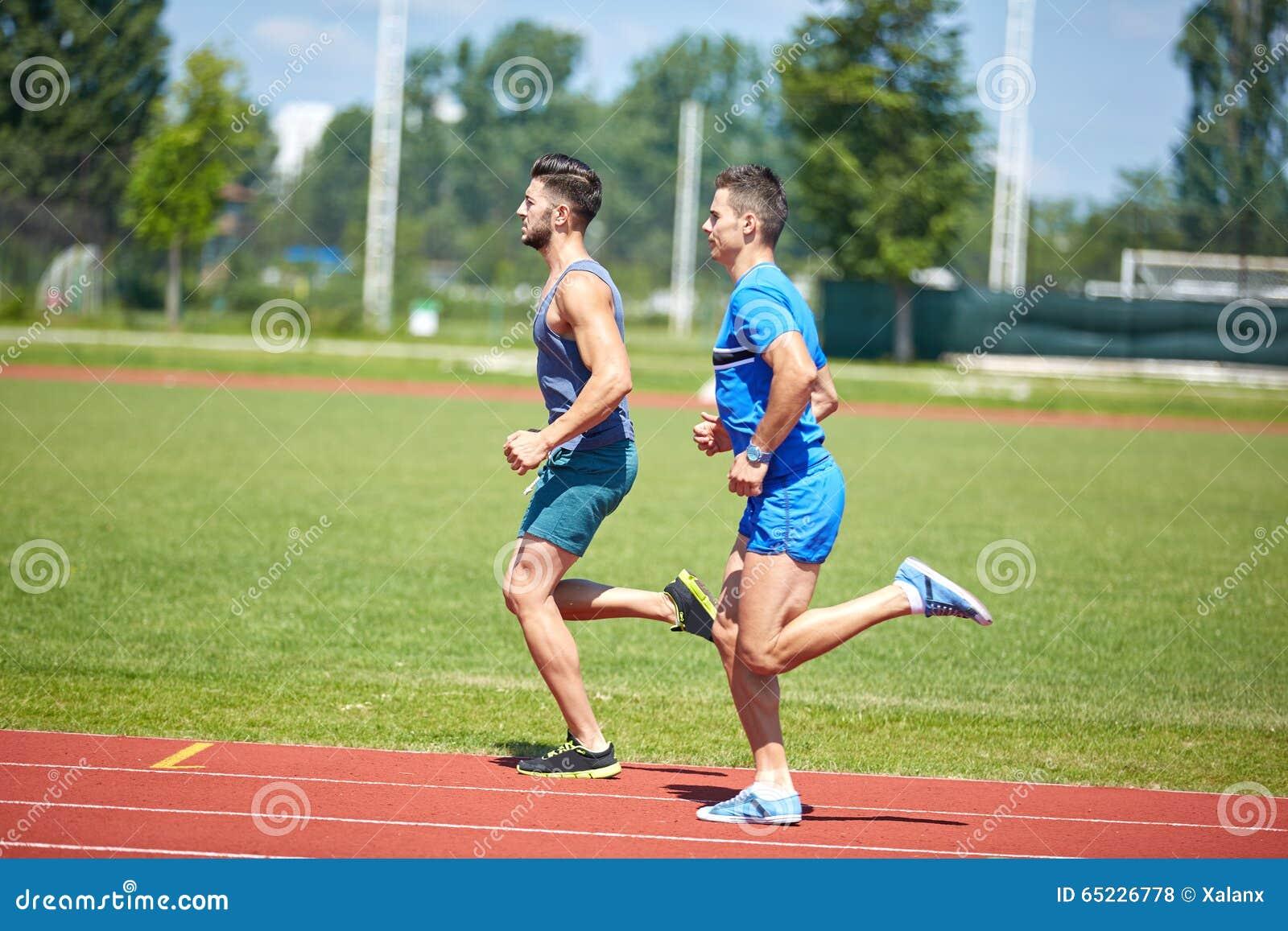 Biegacze na śladzie