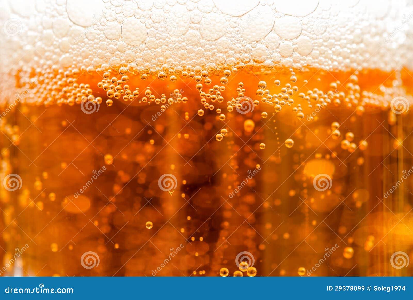 Bier mit Blasen