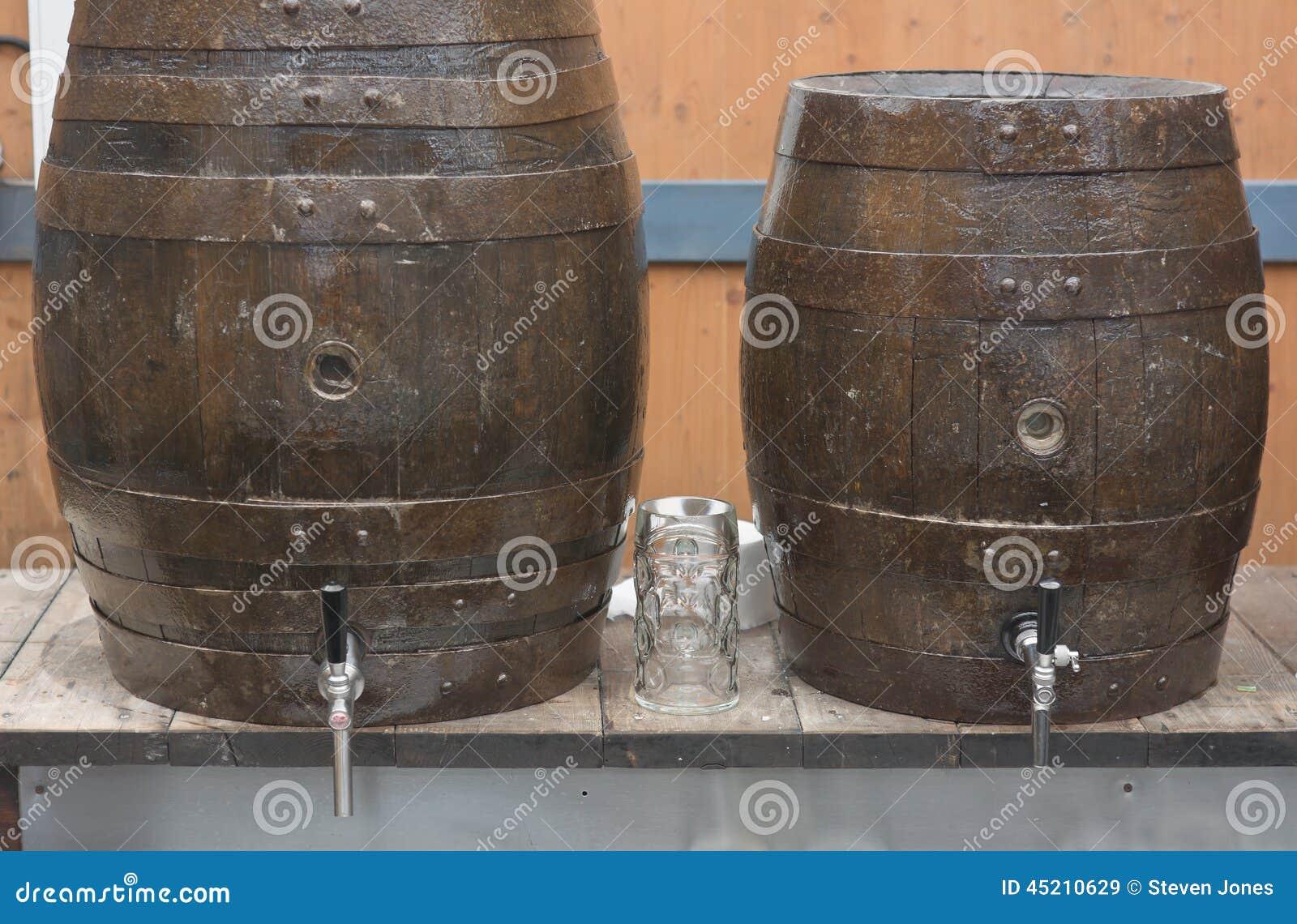 Biervatten en Glas