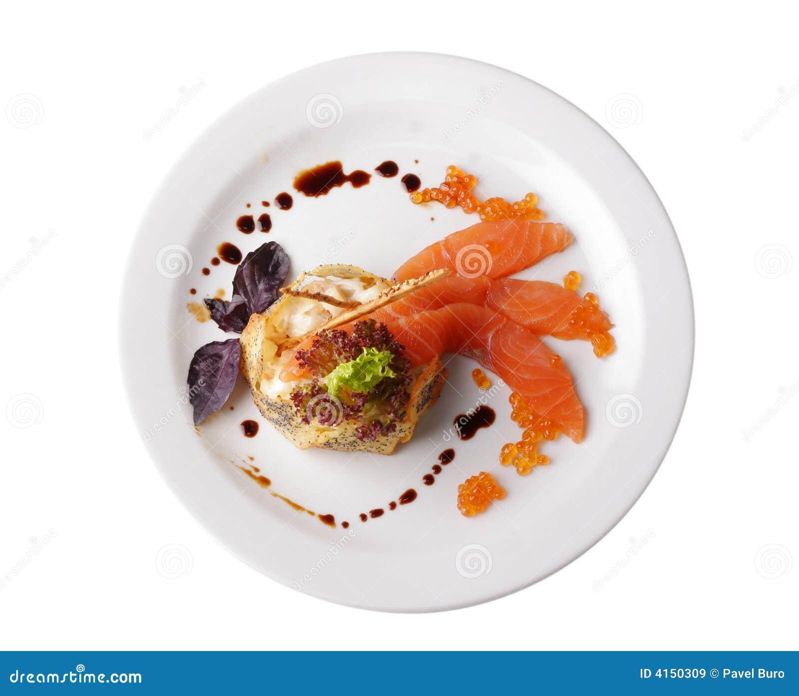Bife de peixes vermelho isolado no branco