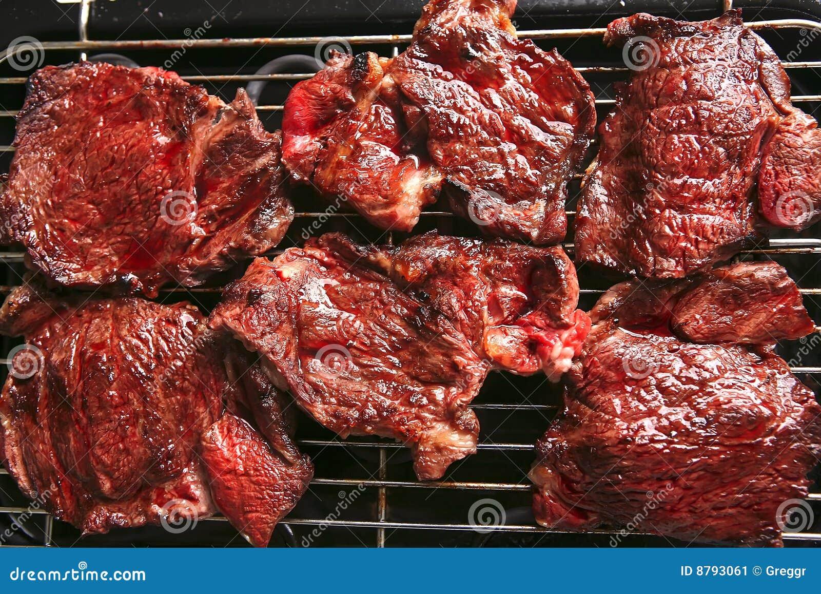 Bife maduro sangrento da carne