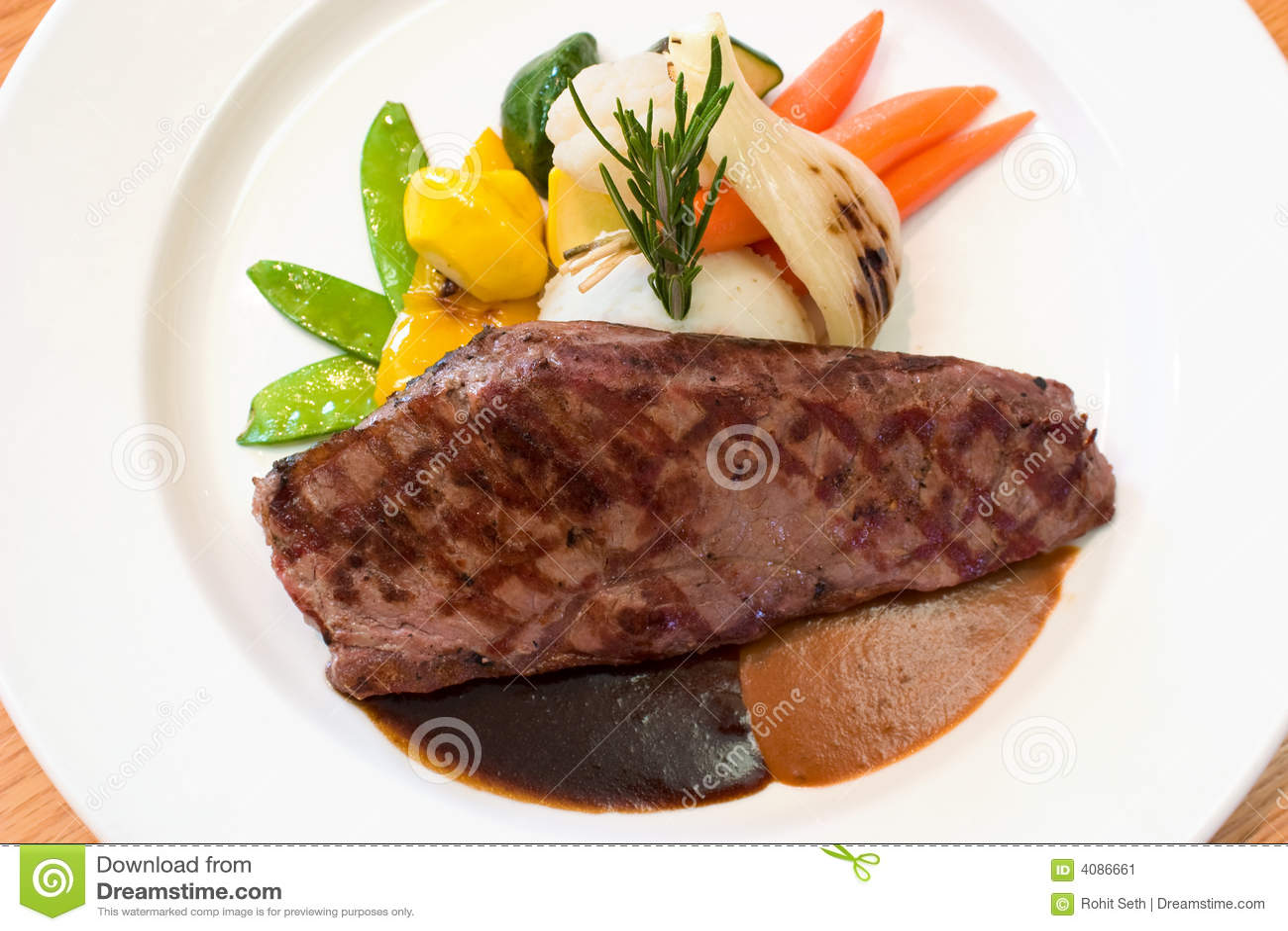 Bifes grelhados da carne