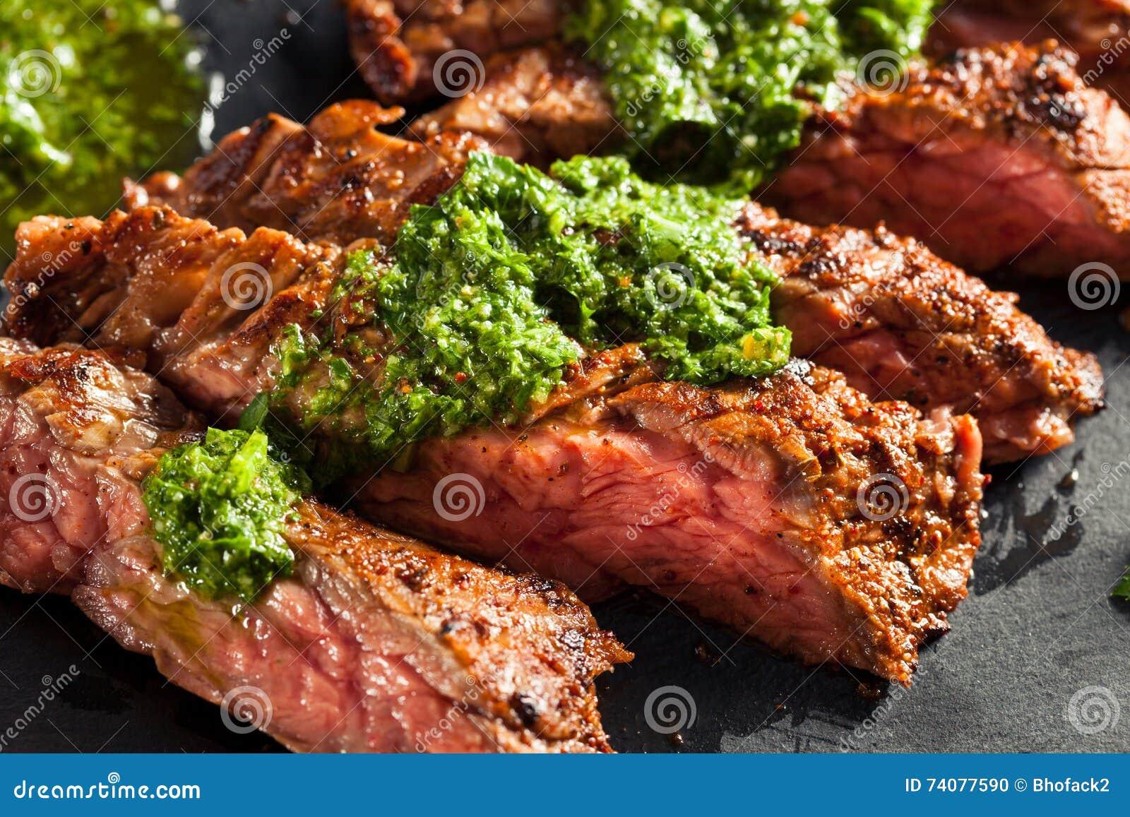 Bifteck de jupe cuit fait maison avec Chimichurri