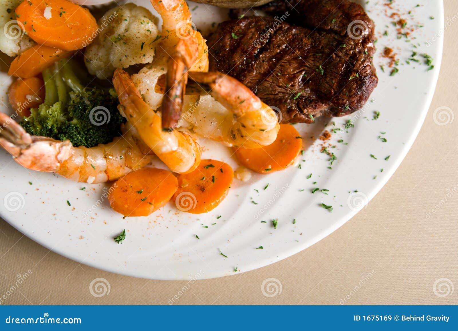 Bifteck et crevettes