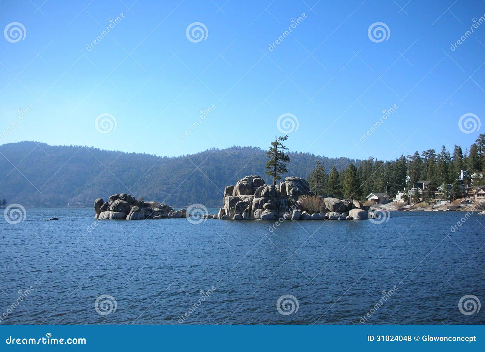 Big bear lake , lake in the mountain