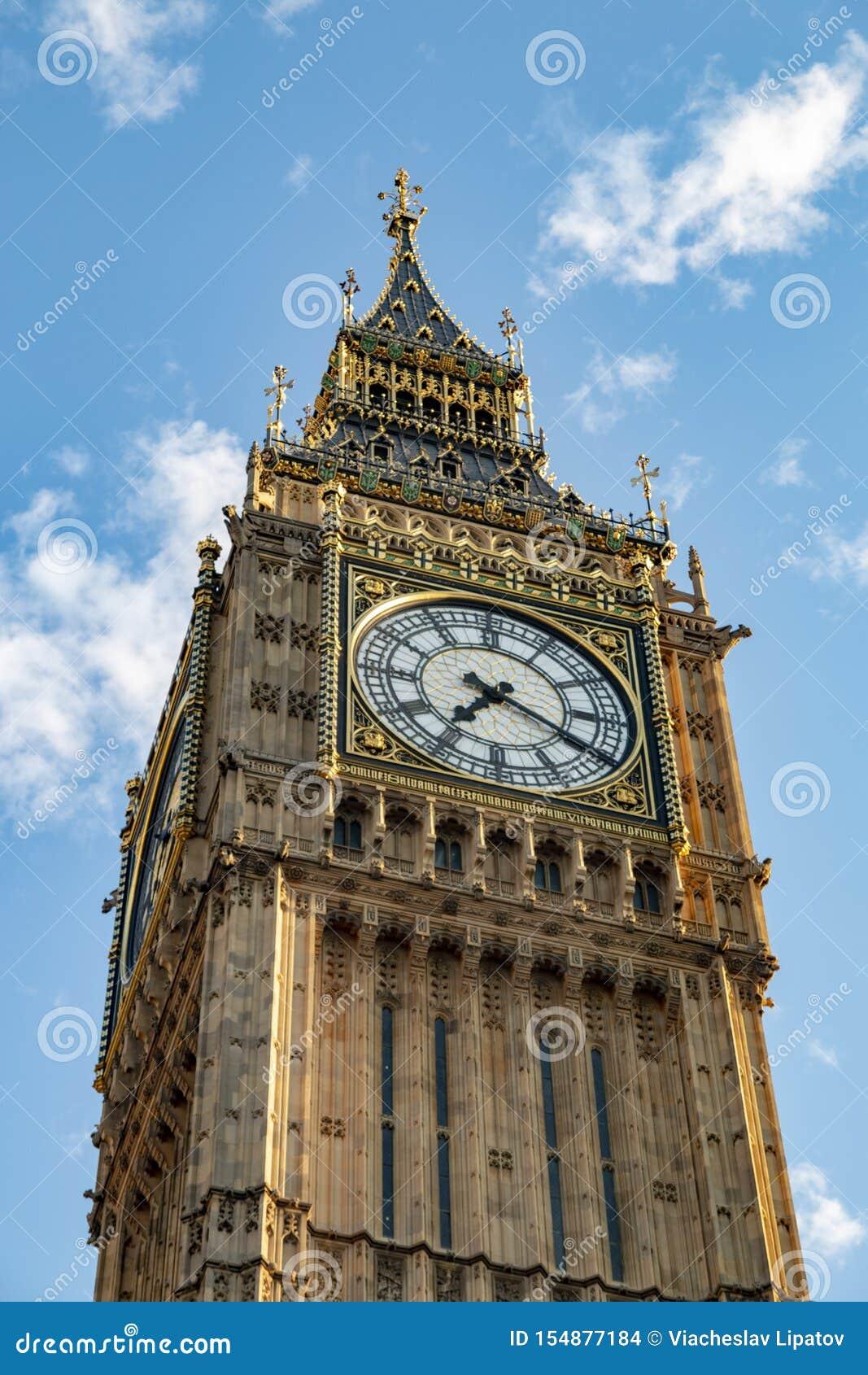 Big Ben - carillon sulla torre del palazzo di Westminster