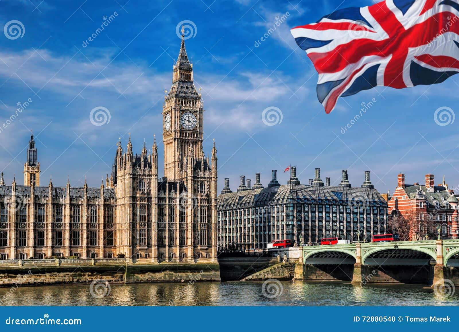 Big Ben Mit Flagge Von Vereinigtem Königreich In London