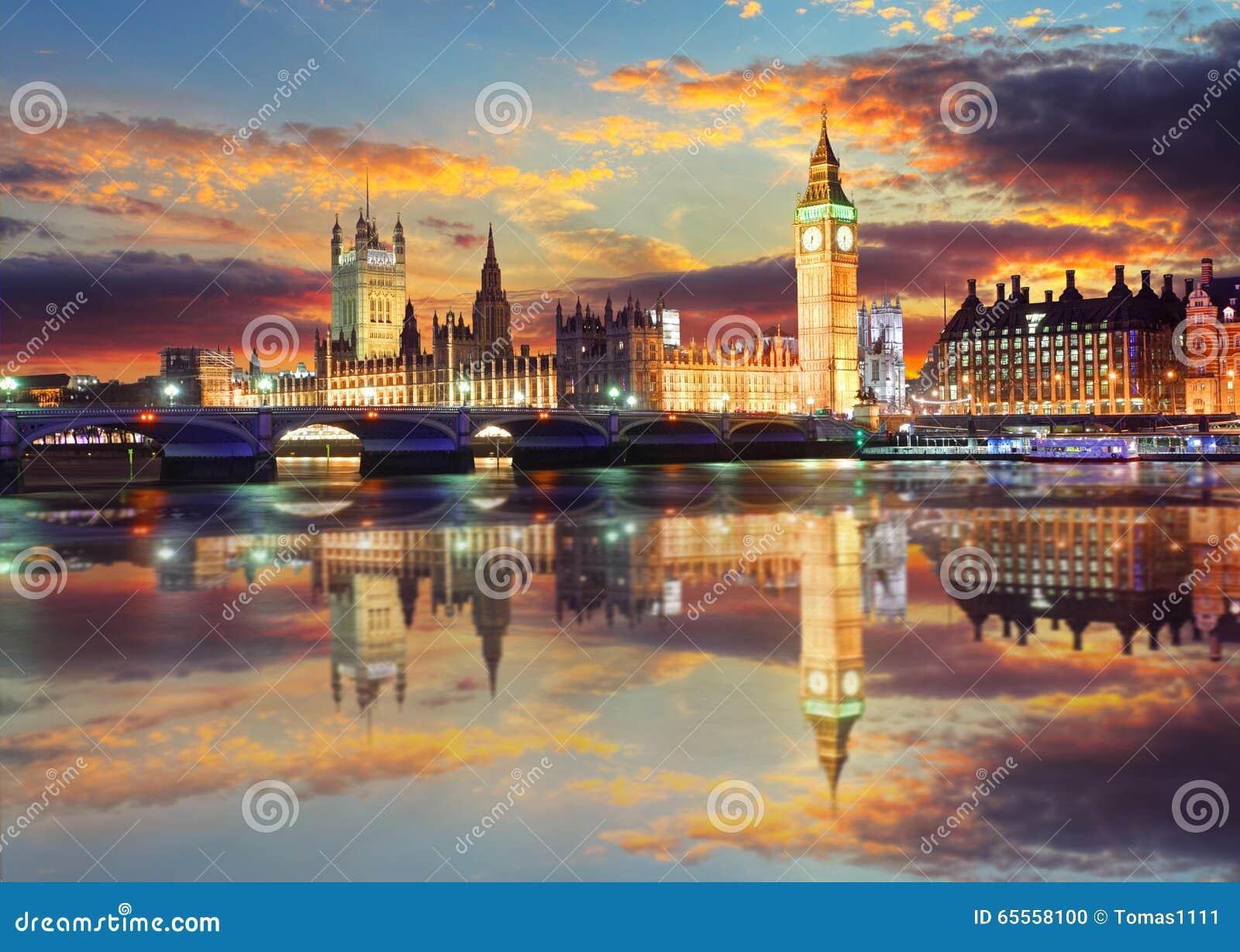 Big Ben y casas del parlamento en la tarde, Londres, Reino Unido
