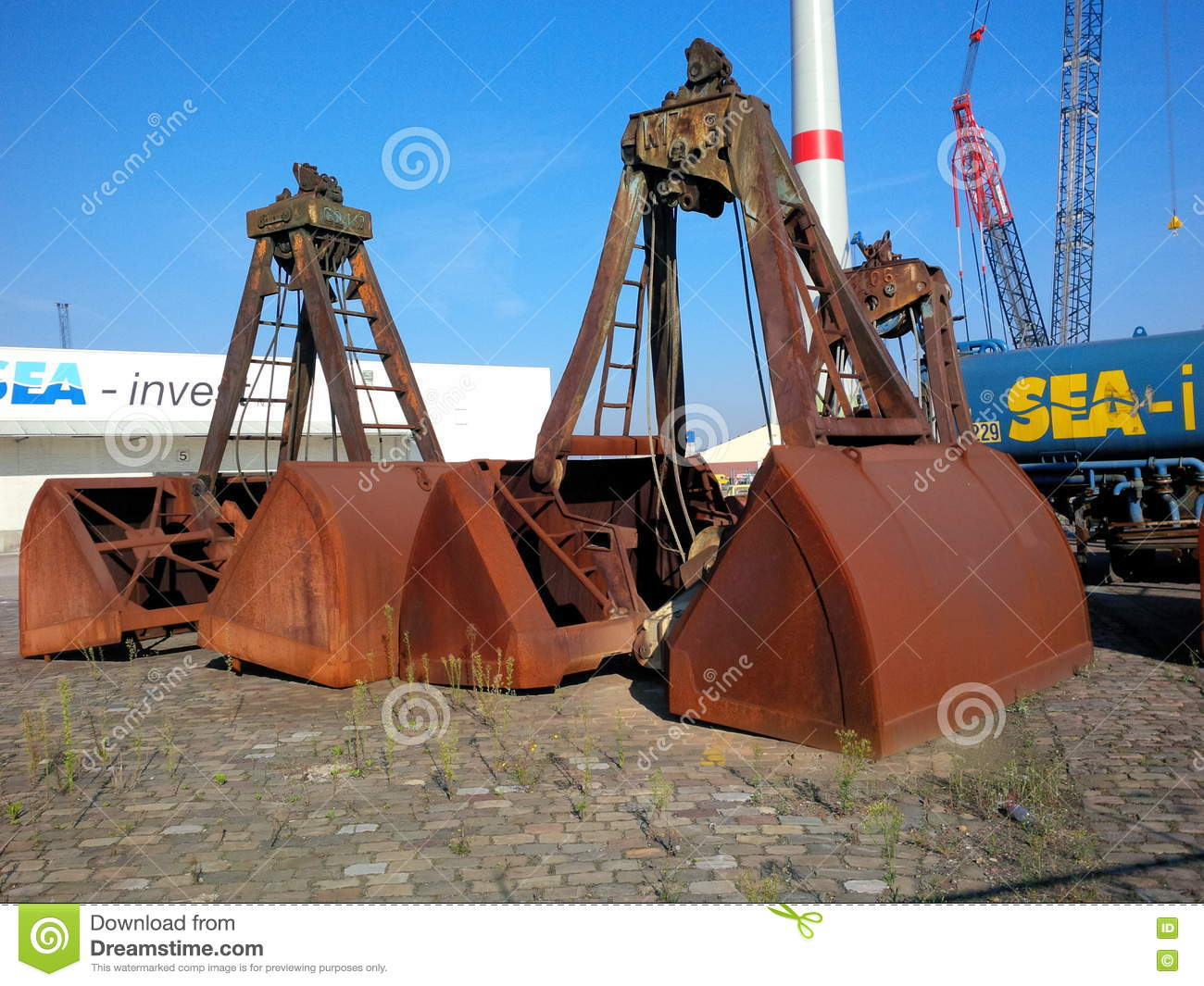 Big claws editorial stock image  Image of shovel, clamshell