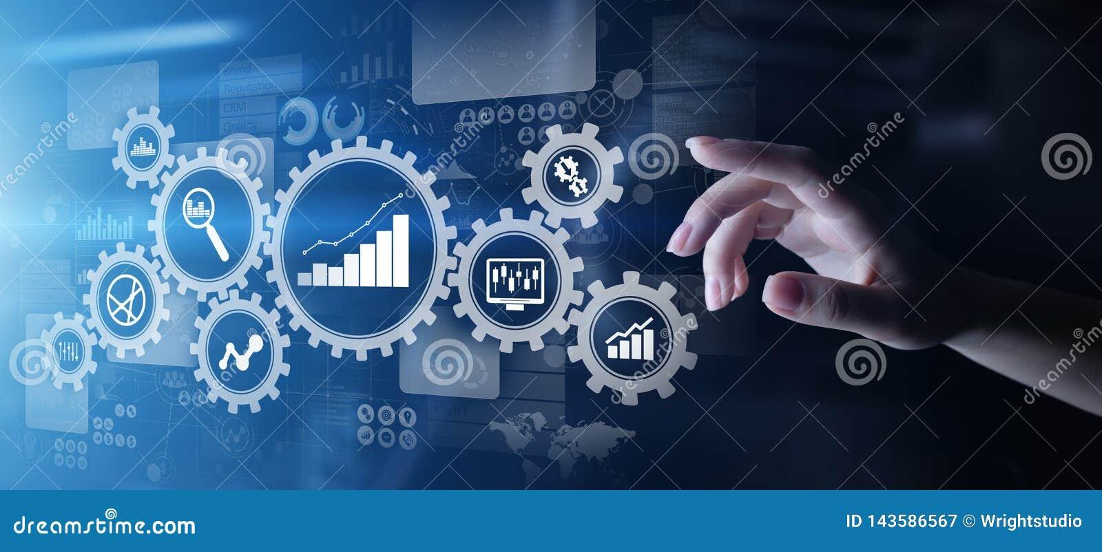 Big Data analiza, rozwój biznesu analityka diagramy z przekładniami, i ikony na wirtualnym ekranie