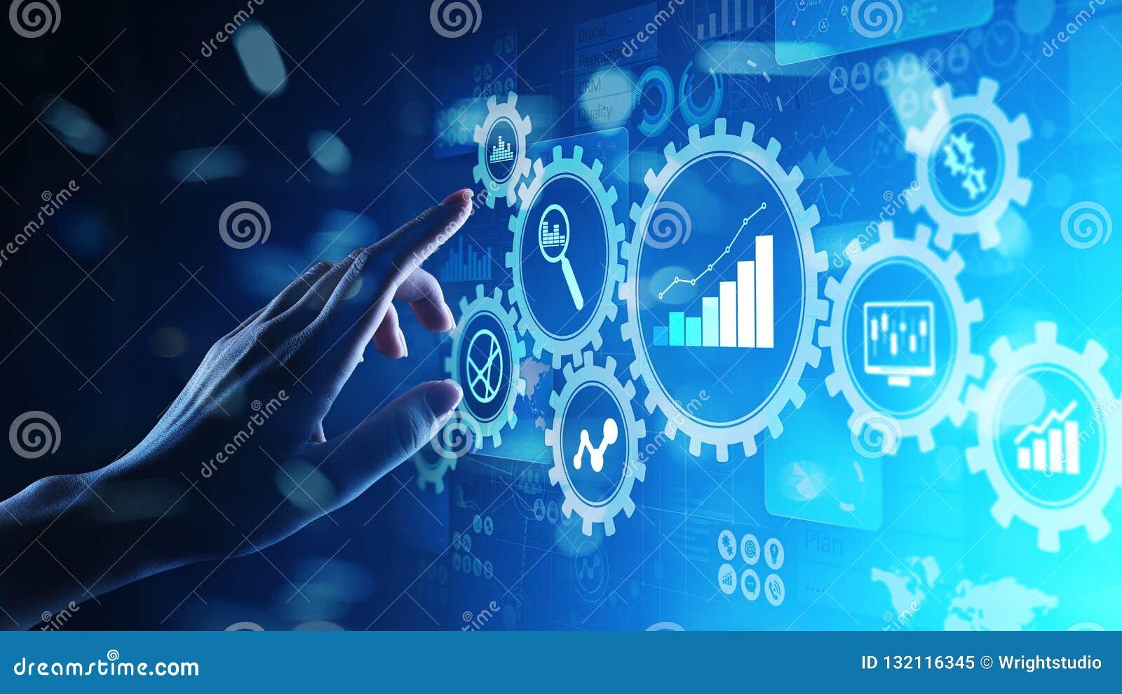 Big Data-analyse, de diagrammen van Bedrijfsprocesanalytics met toestellen en pictogrammen op het virtuele scherm