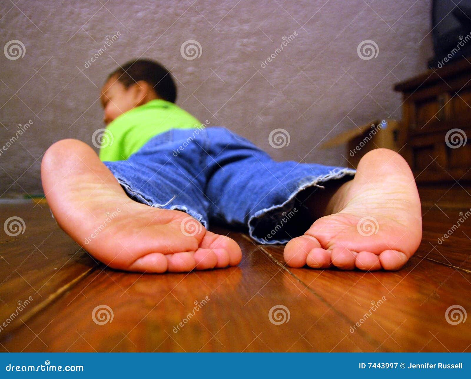 Friends Floor Plan Big Feet Royalty Free Stock Photography Image 7443997