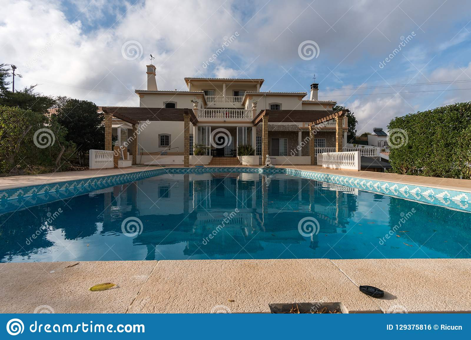 Big House With Swimming Pool In A Cloudy Day Editorial Photo ...