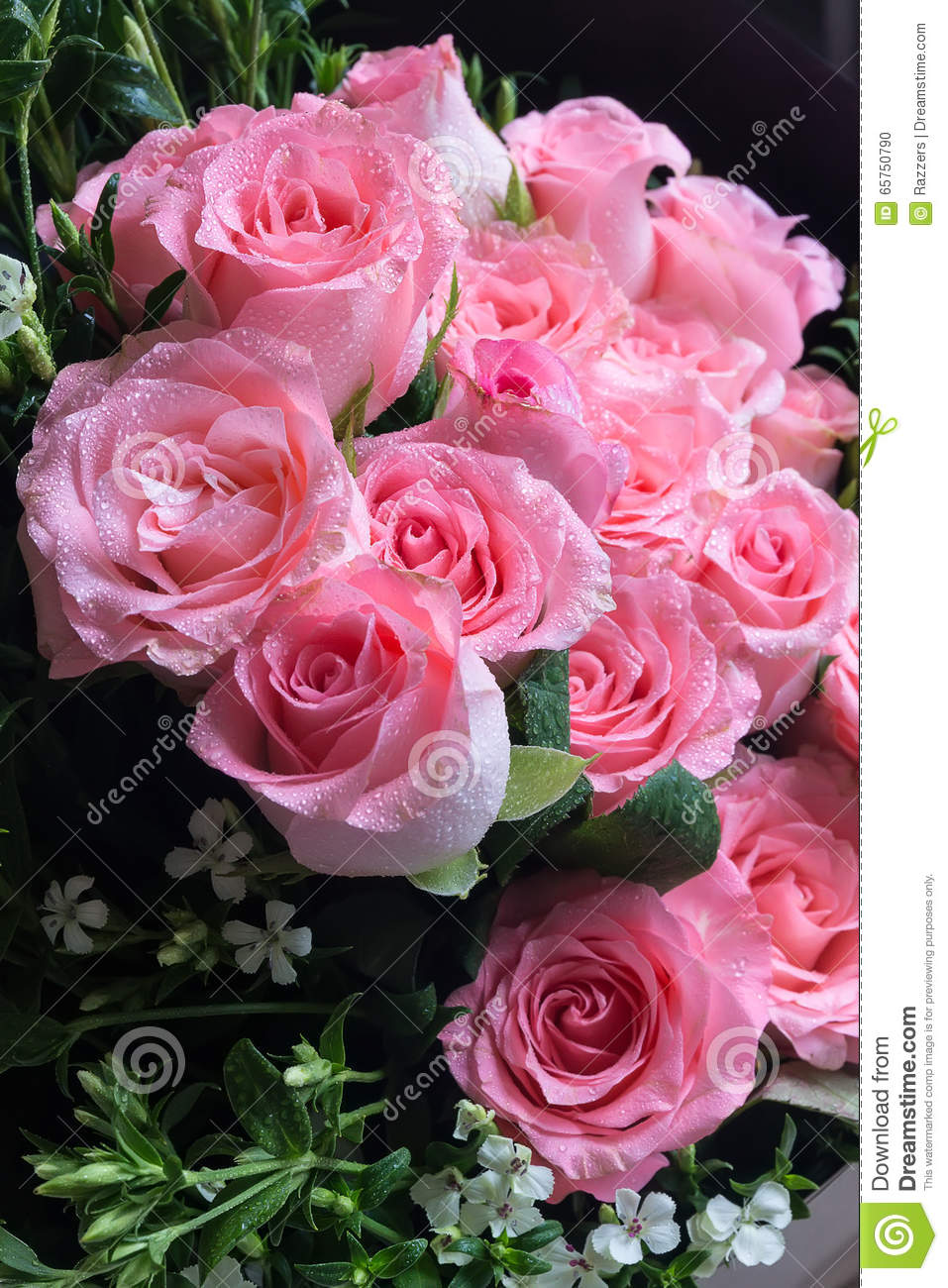 Big pink rose bouquet images for Biggest bouquet of flowers