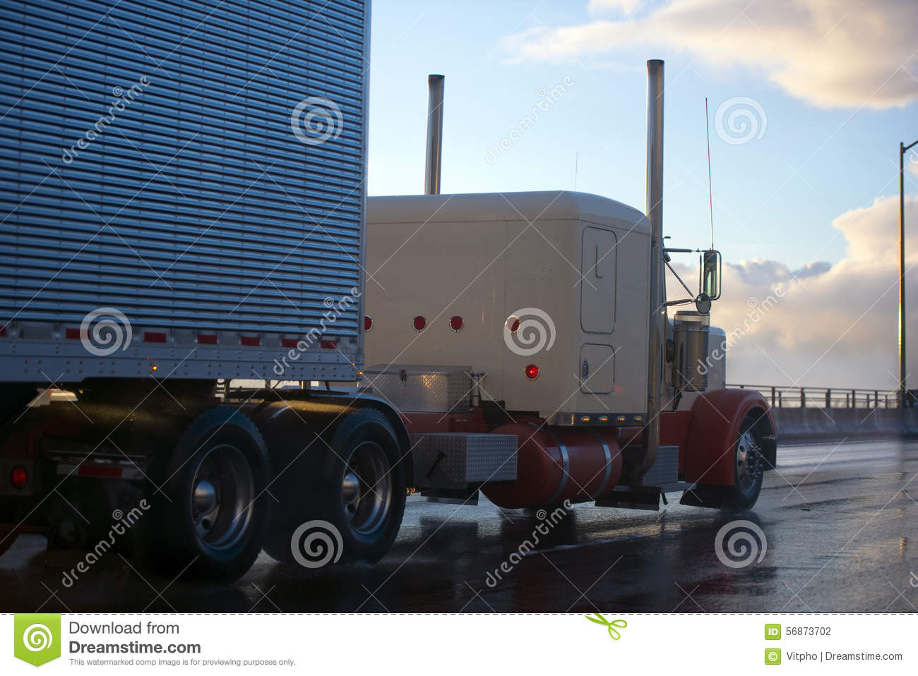 How to Own a Semi Truck Parts Store