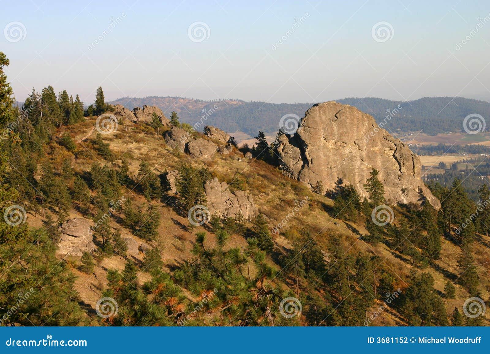 Landscape Boulders Spokane : Big rock stock photography image