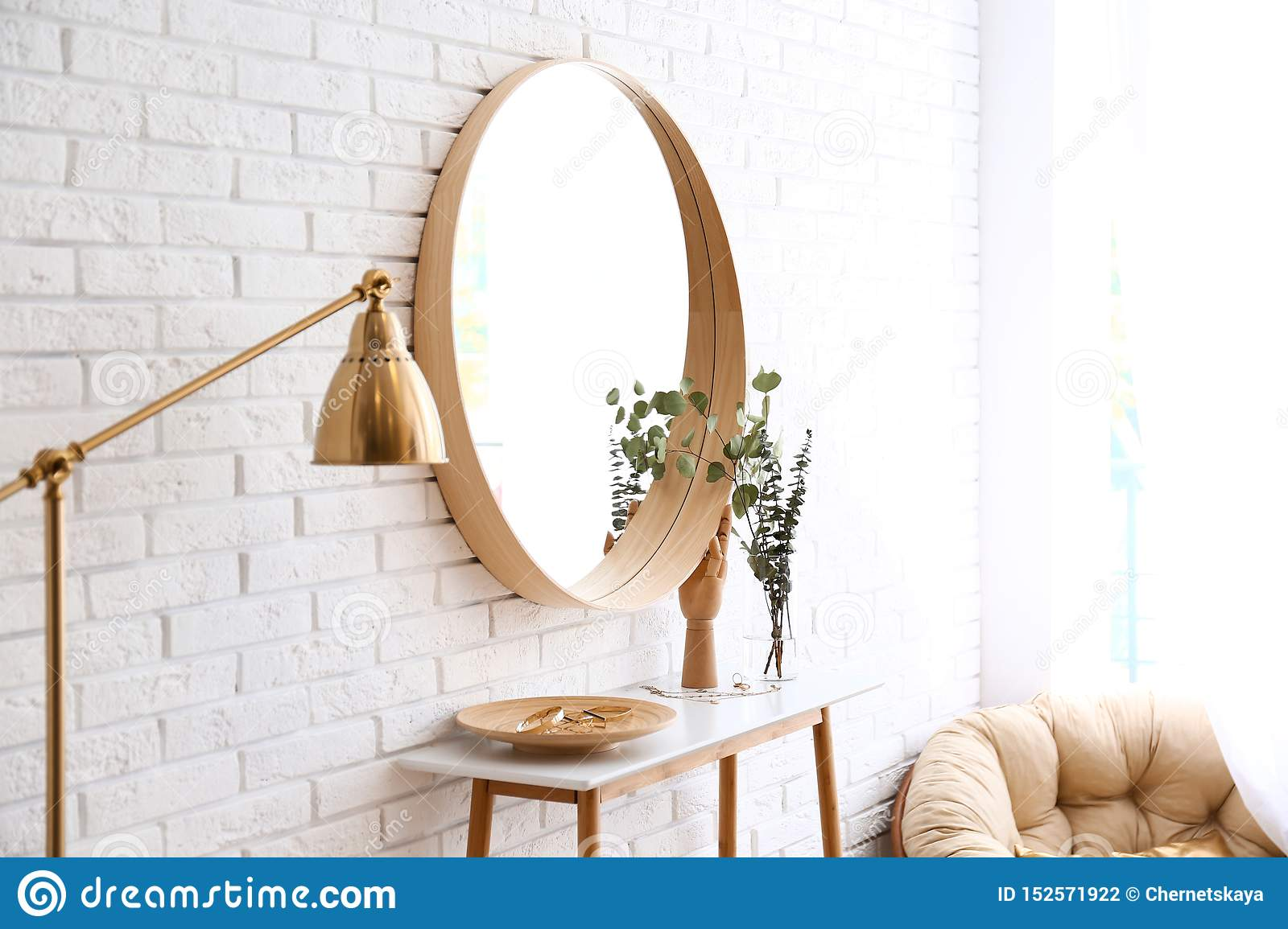 14 832 Decor Mirror Wall Photos Free Royalty Free Stock Photos From Dreamstime