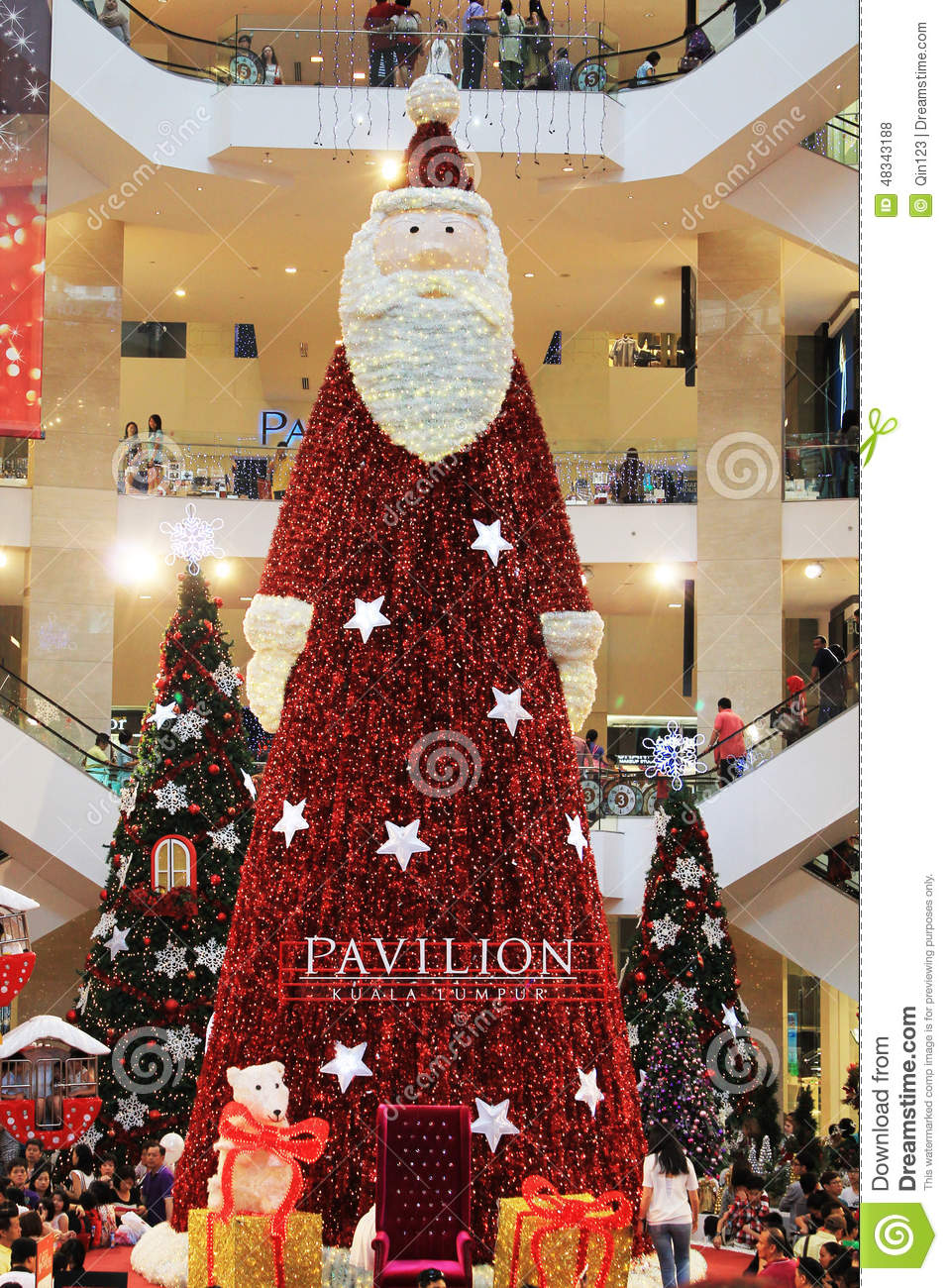 big santa claus christmas tree decoration in shopping mall - How To Decorate A Big Christmas Tree