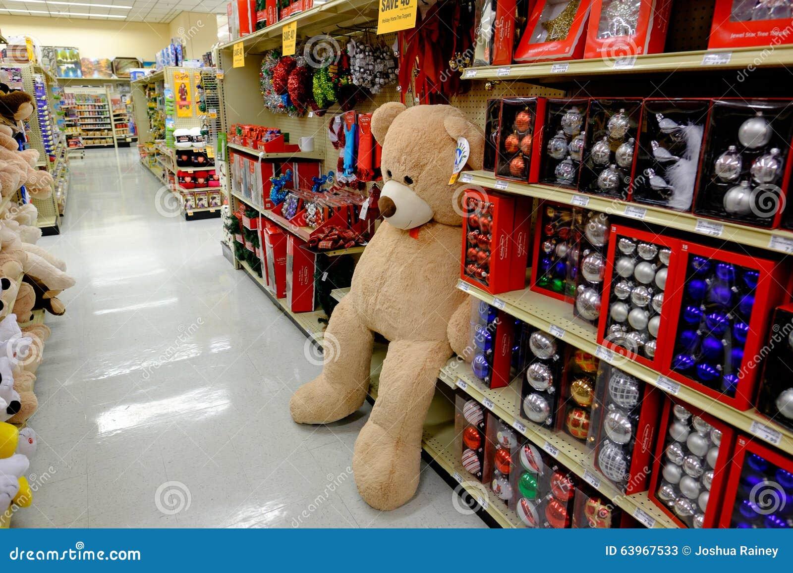 foto de Big Stuffed Teddy Bear At Store Editorial Stock Photo