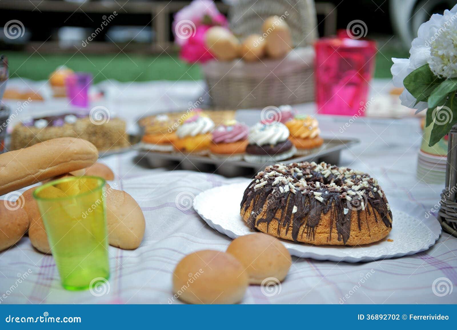 Download Bigné fotografia stock. Immagine di ornate, grasso, zucchero - 36892702