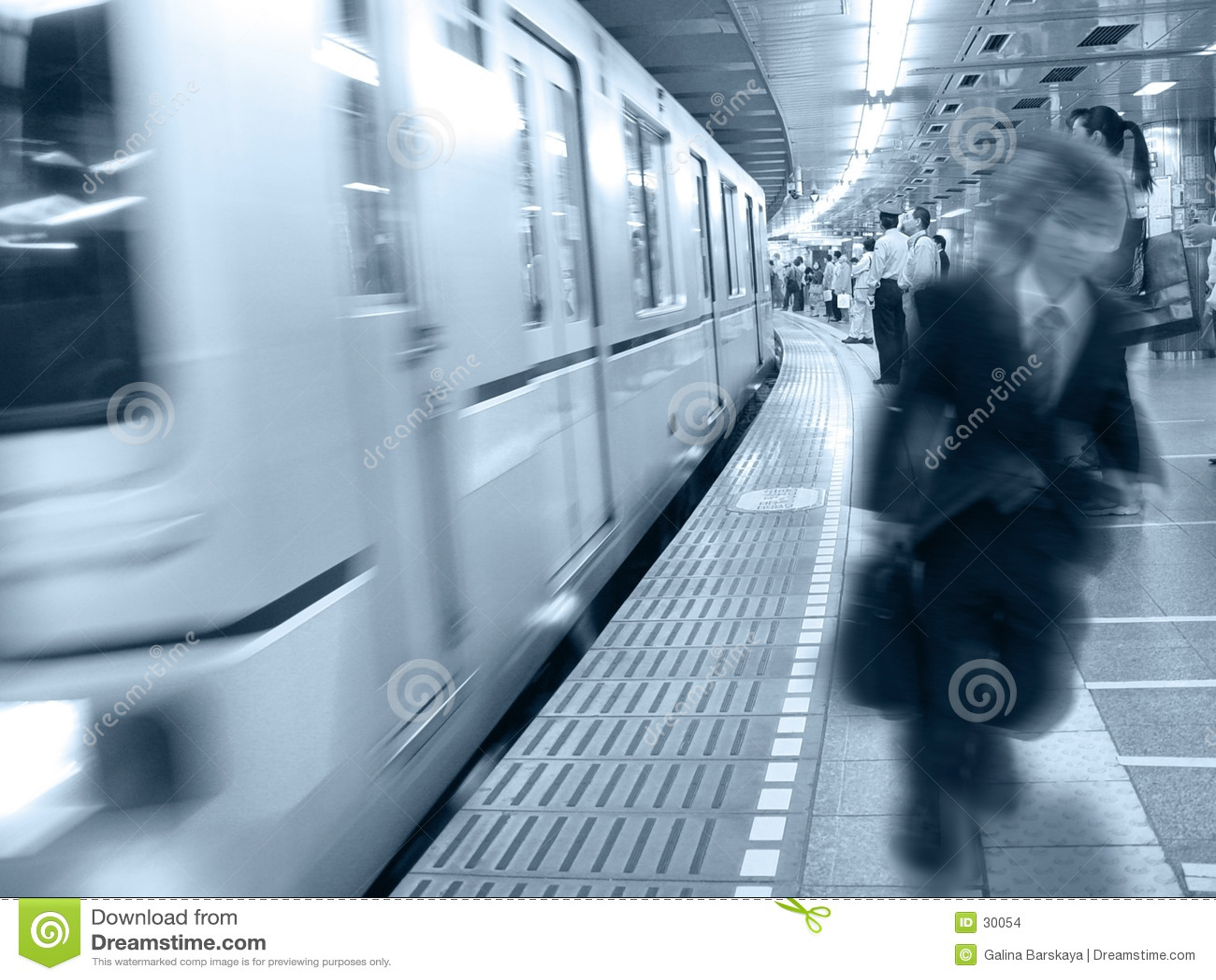 Bij het station