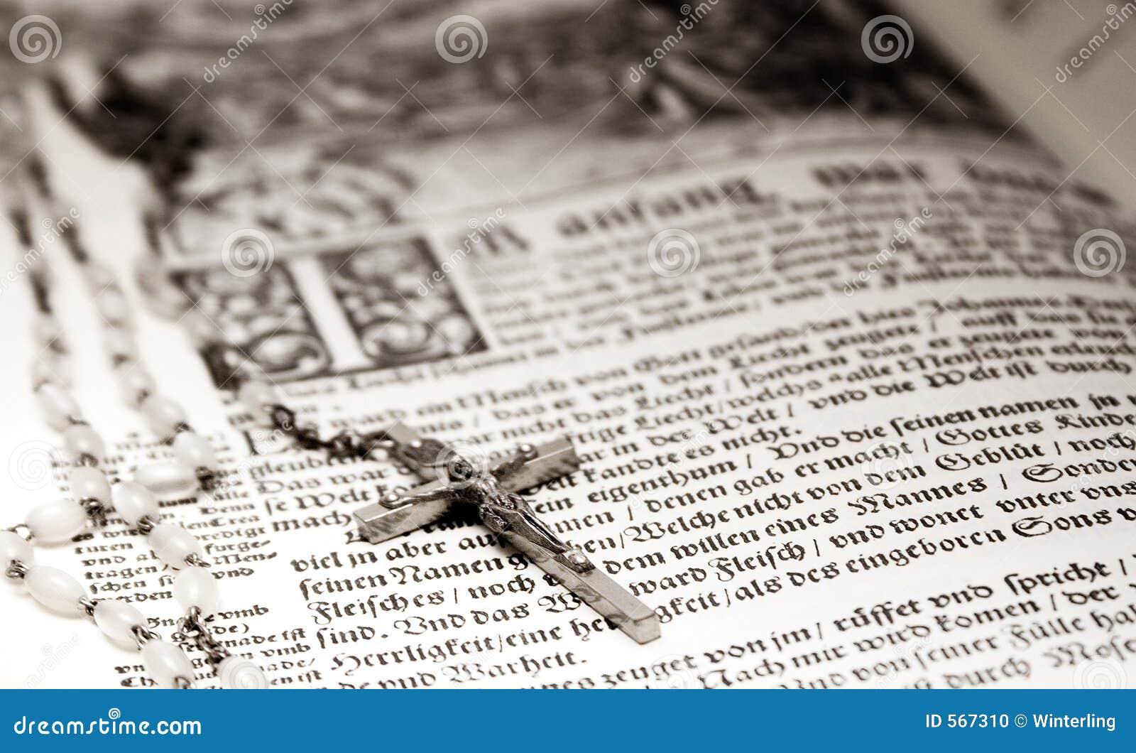 Bijbel en Rozentuin
