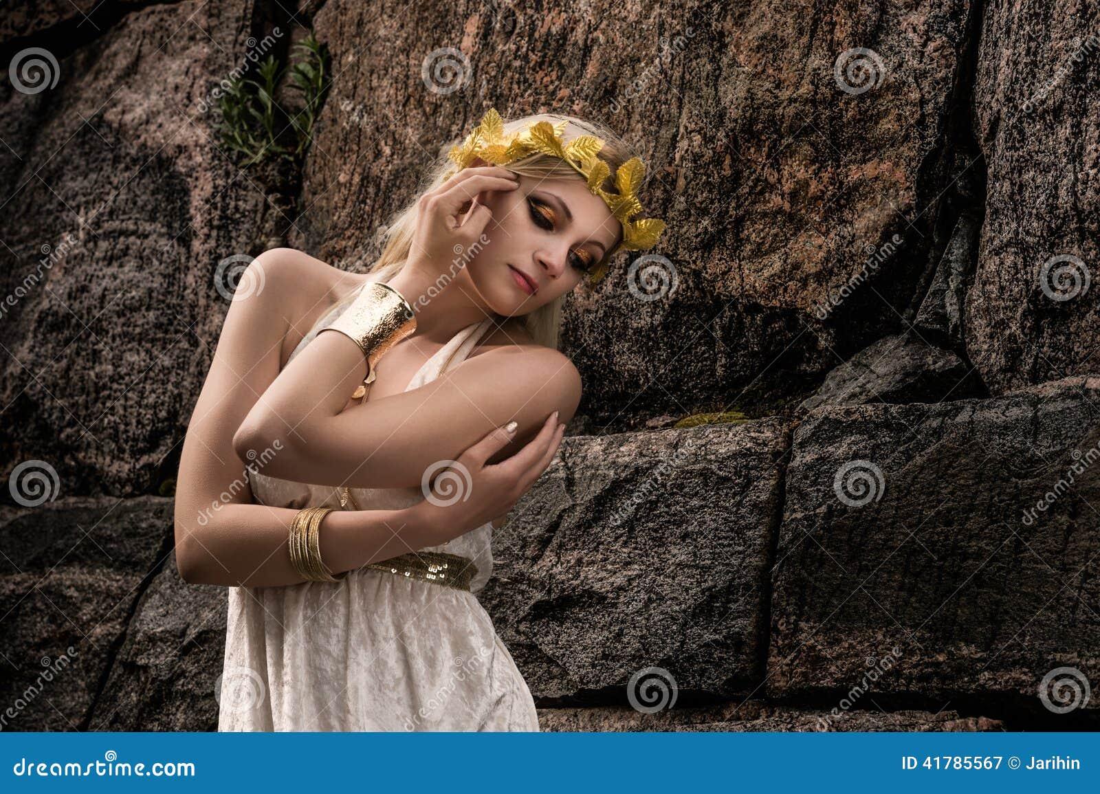 Bijoux de fille et d antiquité