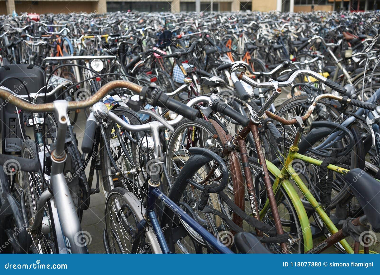 Bike parking near railway station
