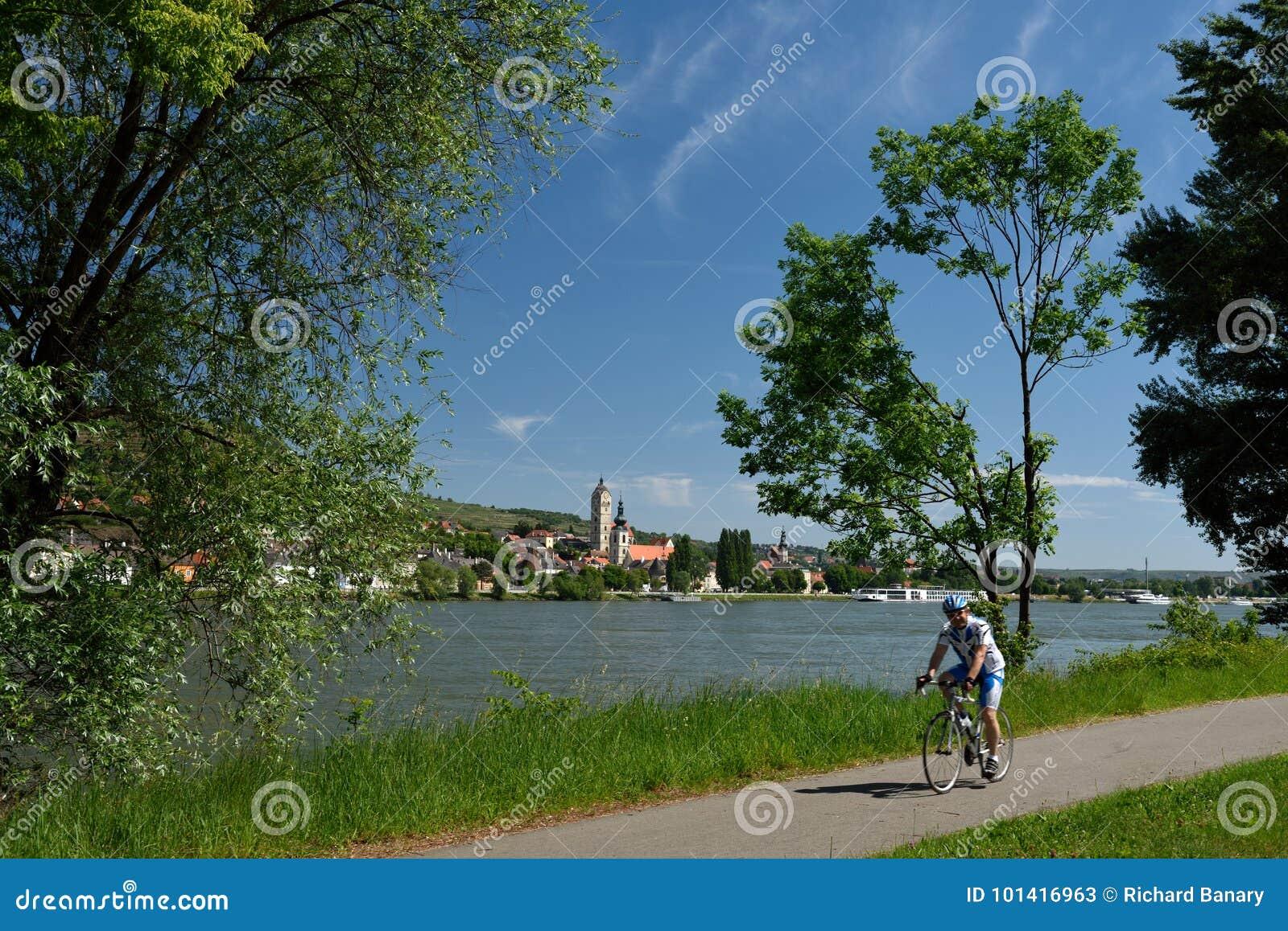 Biking em Krems um der Donau, Wachau, Áustria