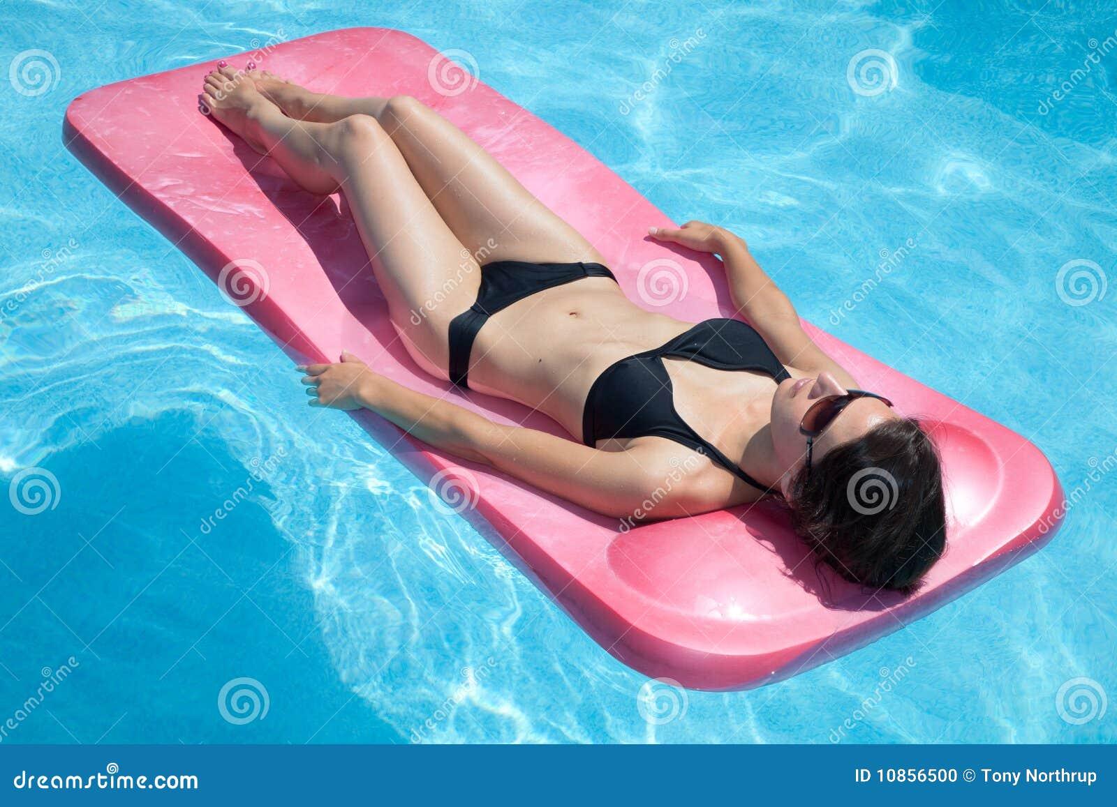 Bikini μαύρη γυναίκα