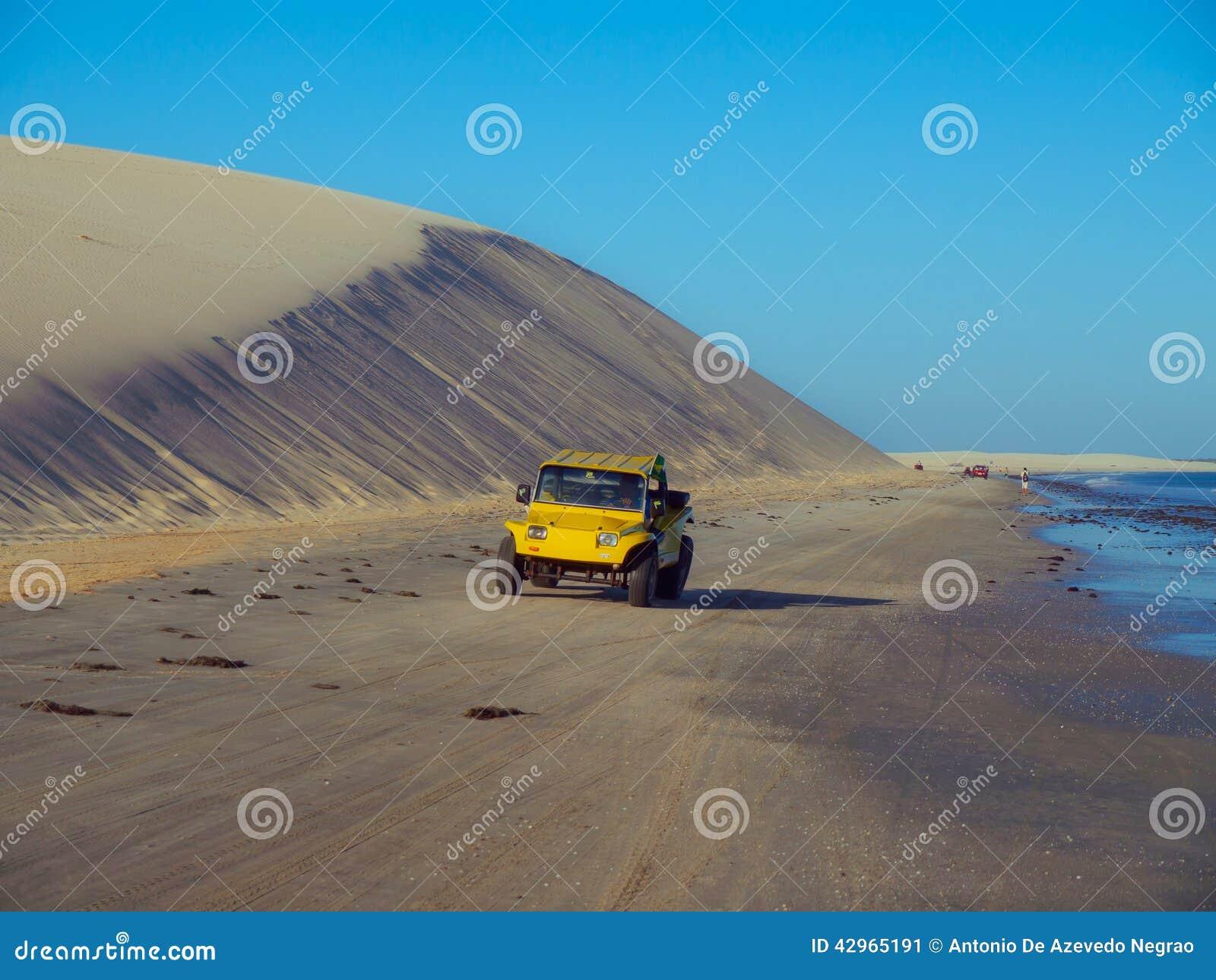 Bil på dyn