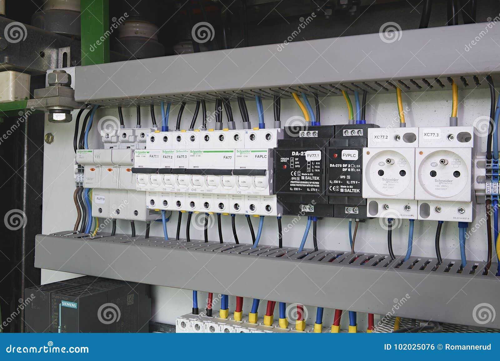 Fein Elektrisches Verdrahtungssystem Galerie - Schaltplan Serie ...
