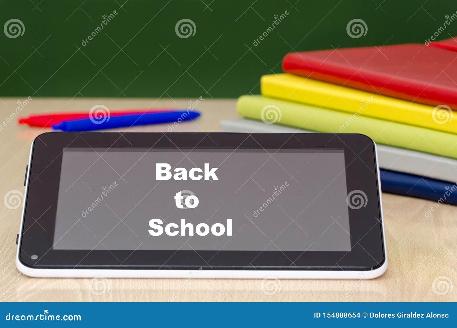 Bildung mit Tablet-Computer Zur?ck zu Schule-Konzept