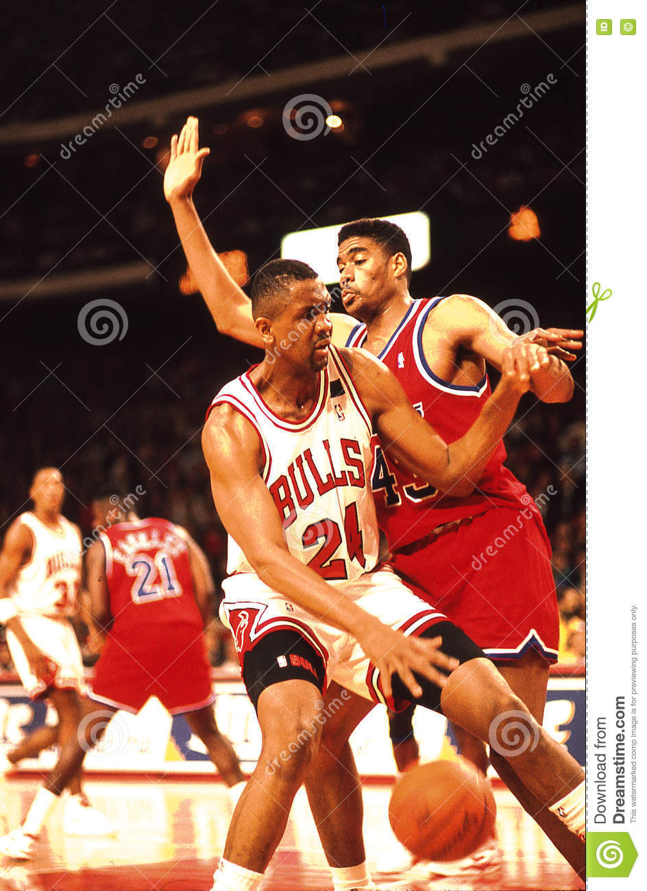 Bill Cartwright And Pervis Ellison Editorial Image