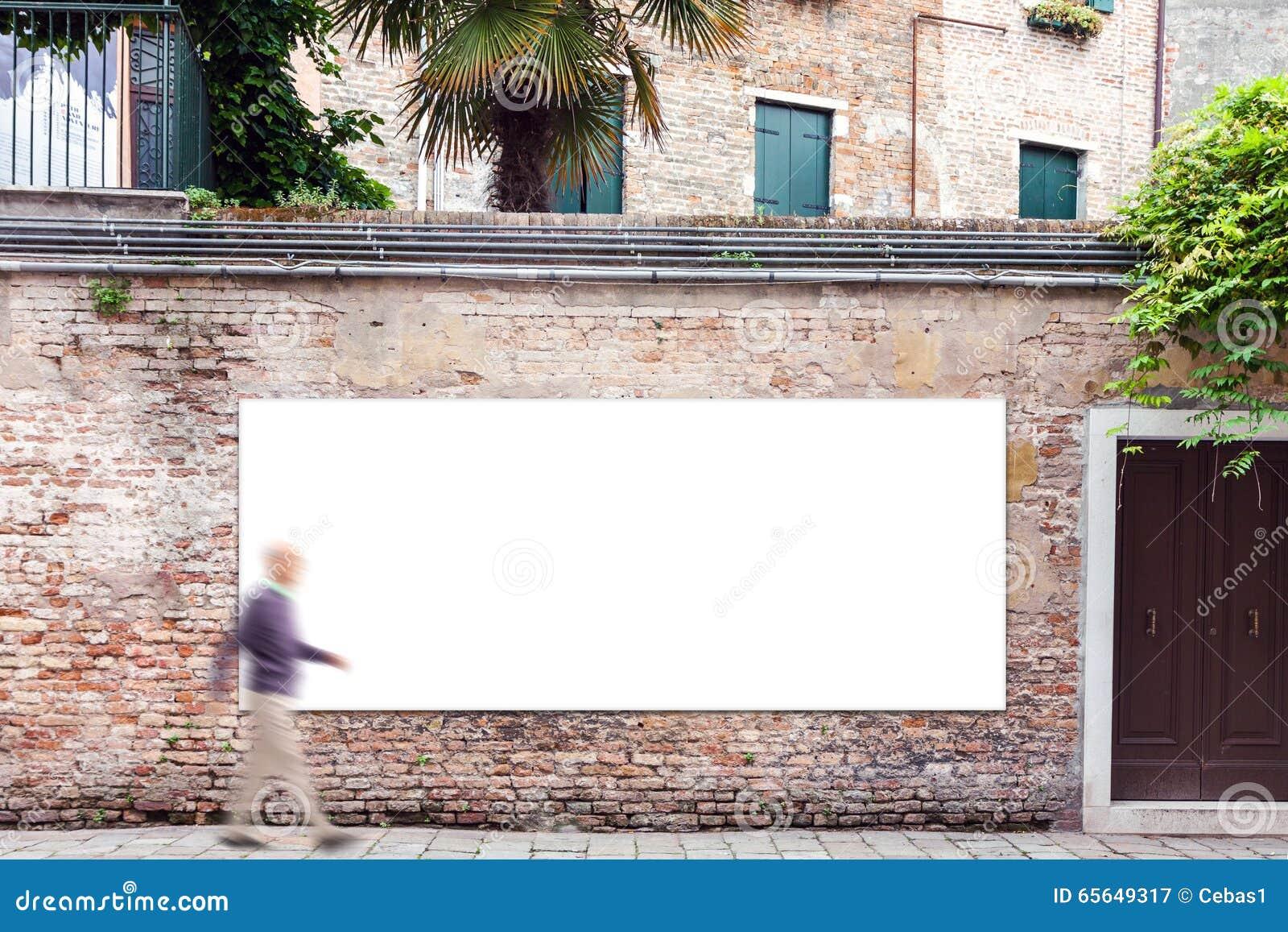 Billboard z kopii przestrzenią na ścianie w Wenecja