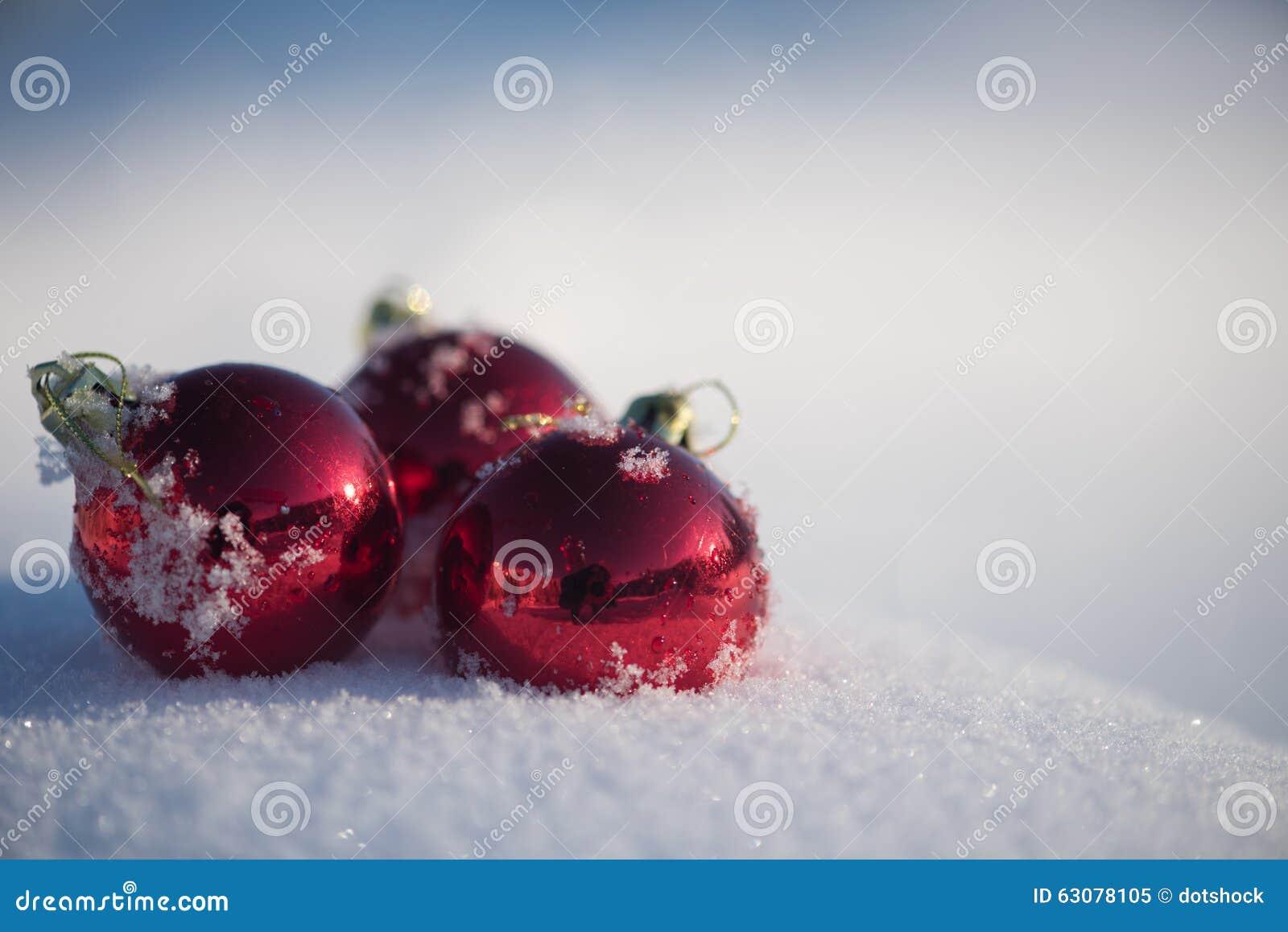 Download Bille De Noël Dans La Neige Image stock - Image du extérieur, copie: 63078105