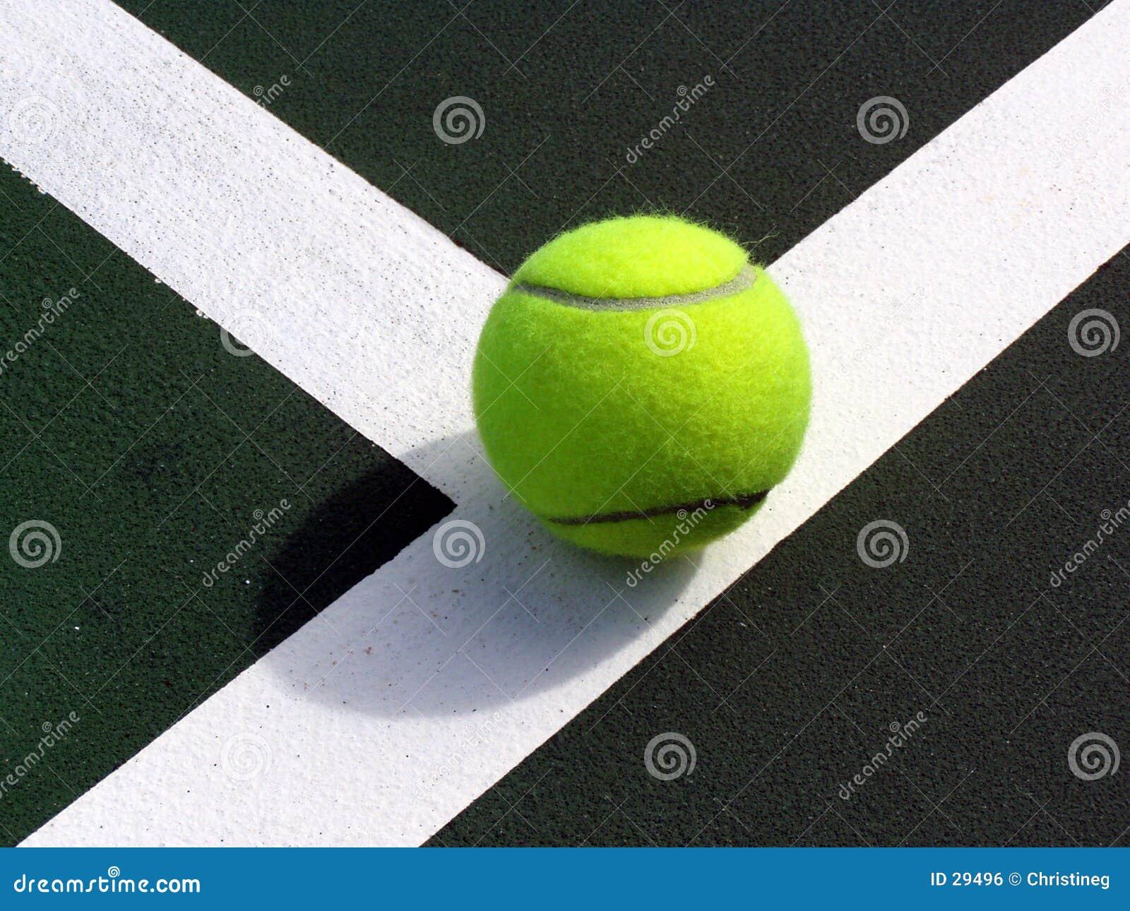 Bille de Tennist sur la ligne