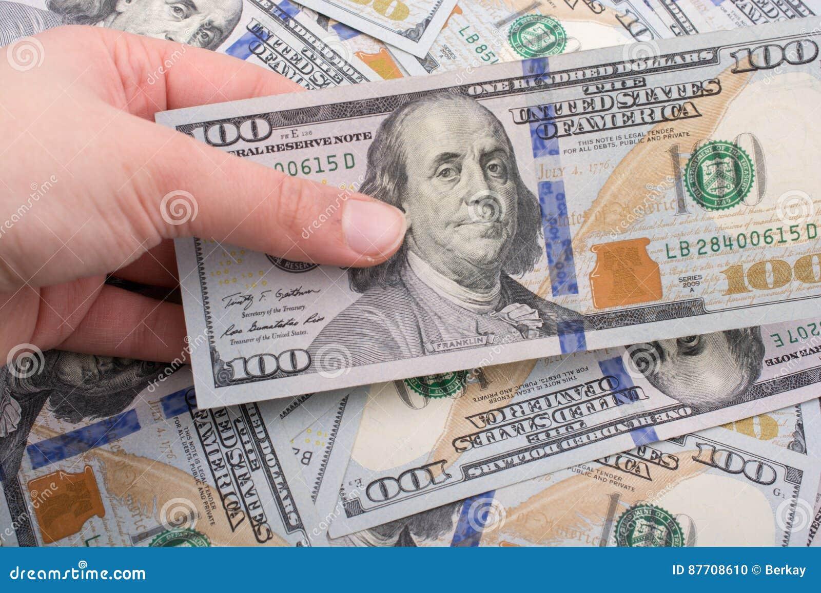 Billets de banque de dollar US écartés autour