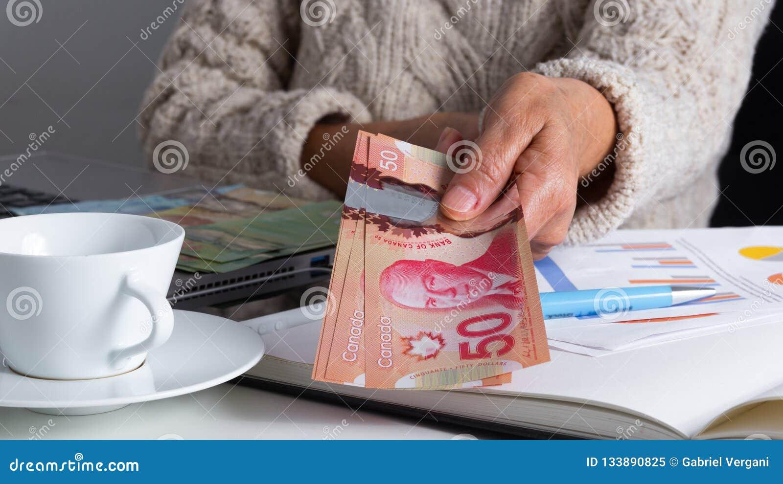 Billets de banque de devise canadienne : Dollar Factures de offre de dame âgée