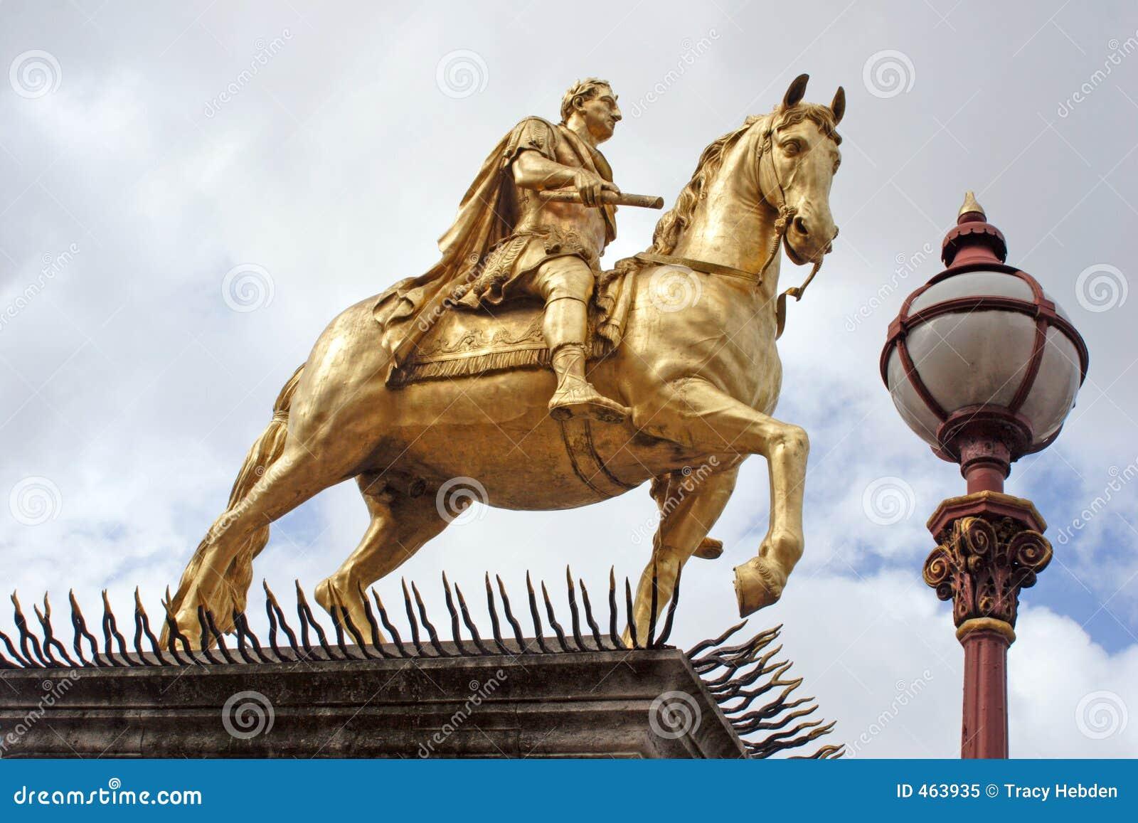 Billy kadłuba posąg króla