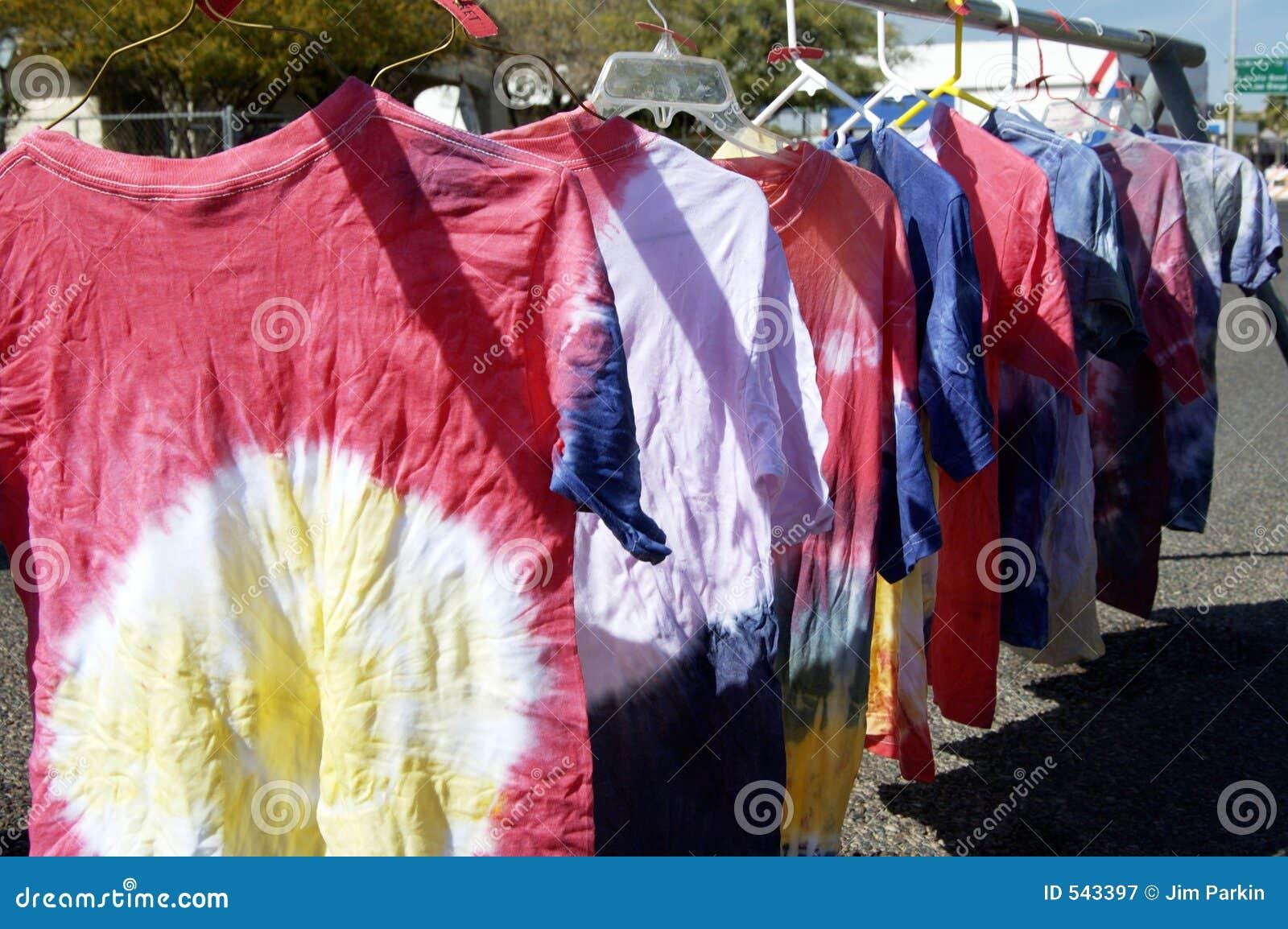 Binden-gefärbte Hemden