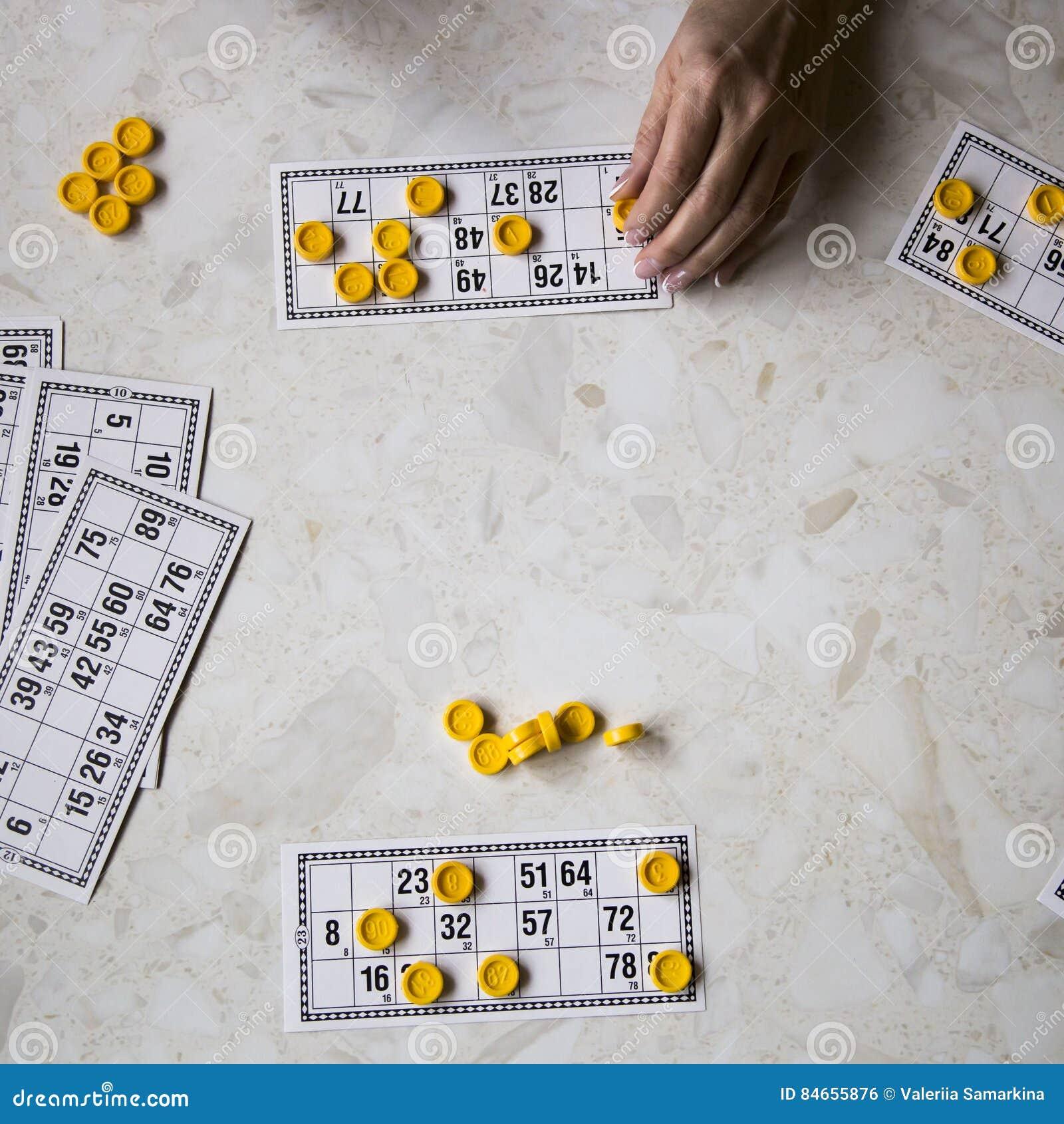 Bingo Del Juego En El Domicilio Familiar Foto De Archivo Imagen De