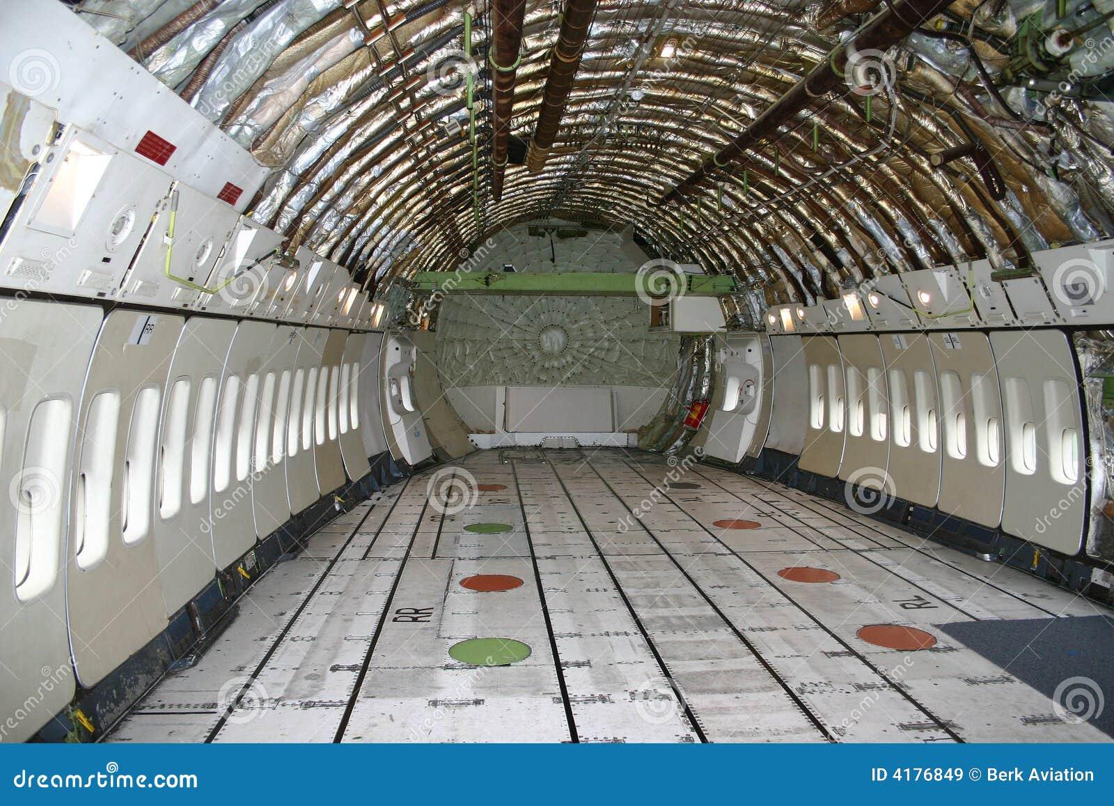 Binnen een boeing 747 stock afbeelding afbeelding for Interieur 747