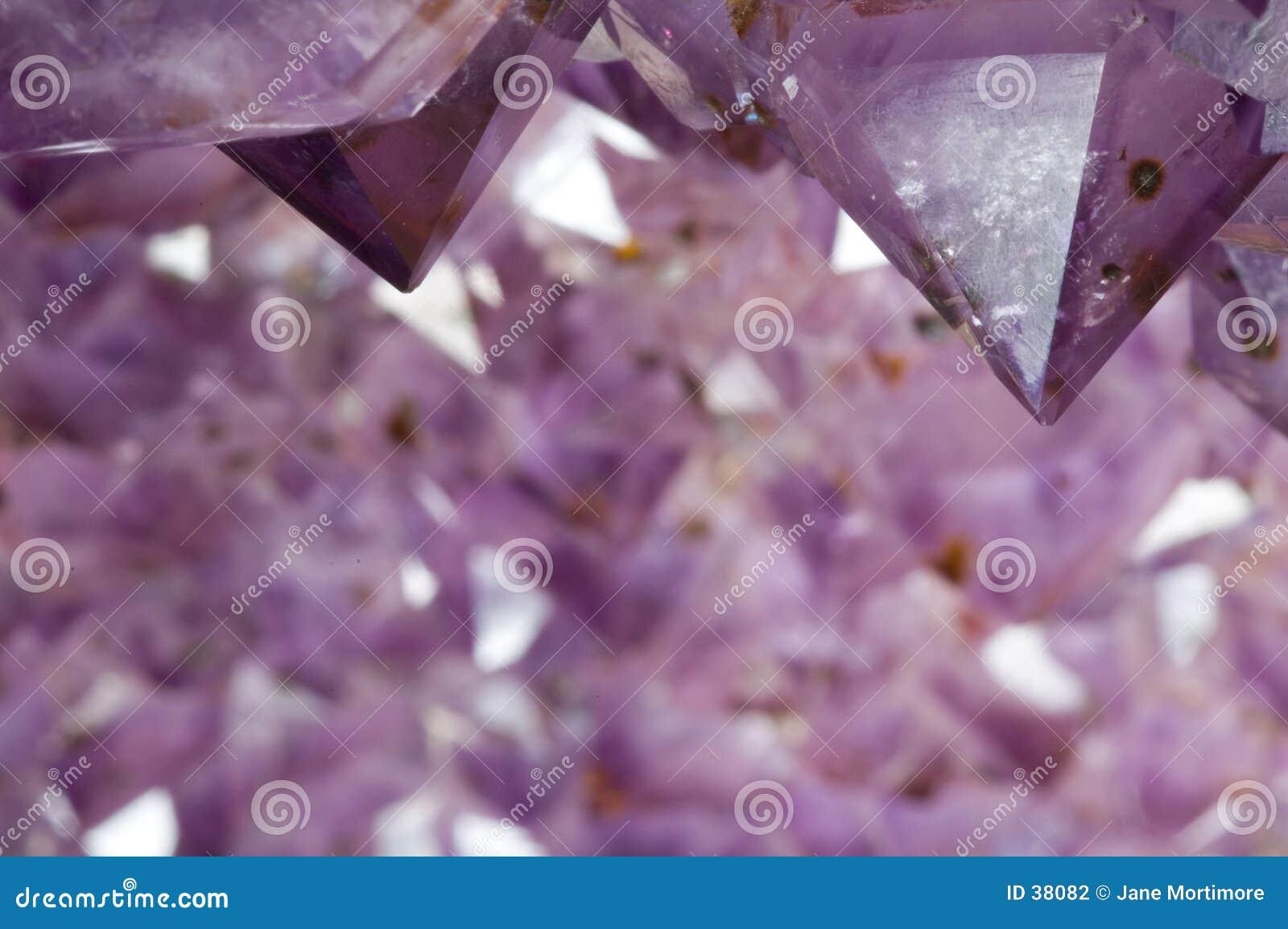 Binnen een Violetkleurige Geode 2